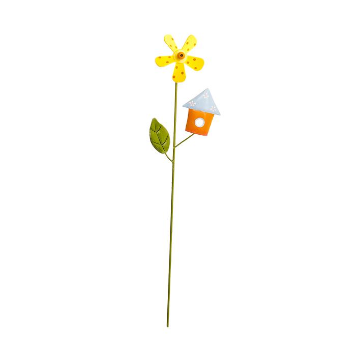 Украшение на ножке Village People Цветы с оранжевым домиком, высота 31 см10503Украшение на ножке Village People Цветы с домиком поможет вам дополнить экстерьер красивой и яркой деталью. Такое украшение очень просто вставляется в землю с помощью длинной ножки, оно отлично переносит любые погодные условия и прослужит долгое время. Идеально подходит для декорирования садового участка, грядок, клумб, домашних цветов в горшках, а также для поддержки и правильного роста декоративных растений.Размер декоративного элемента: 8,5 см х 13,5 см. Высота ножки: 31 см.