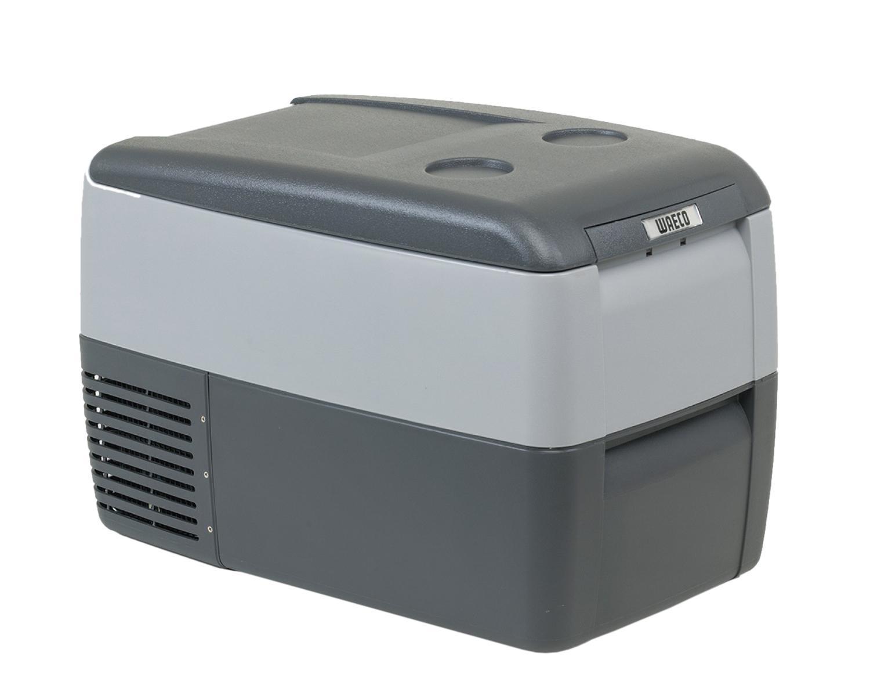 WAECO CoolFreeze 36-CDF автохолодильник, 31 л9103500255Компрессорный автохолодильник Waeco CoolFreeze CDF-36 имеетвнутренний полезный объем 31 литр. Питание 12/24 В для легкового игрузового автомобилей, кабель 220 В можно купить в качестведополнительной опцииАвтохолодильник Waeco CoolFreeze CDF-36 охлаждает и замораживаетпродукты и напитки в диапазоне от +10 до -15С, при температуреокружающей среды до +32С. Автохолодильник оснащен мощнымкомпрессором со встроенной электроникой управления, предохранителемразрядки аккумулятора, цифровым дисплеем для регулировки температуры,внутренней подсветкой и проволочной съемной корзиной для продуктов