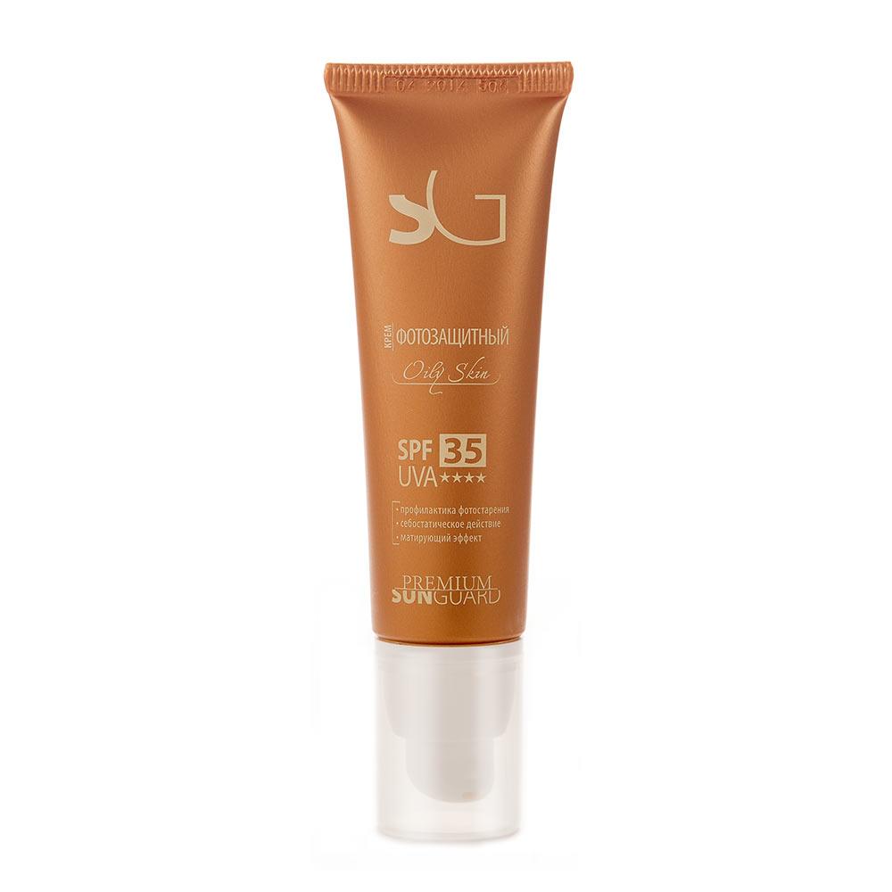 PREMIUM Softouch Крем фотозащитный SPF-35 Oily Skin, 50 млM7811200Профессиональный препарат с легкой текстурой для защиты жирной и жирной зрелой кожей лица от солнечных лучей спектра А и В. Создан на основе множественной эмульсии, обеспечивающей высокую эффективность работы солнцезащитного средтва и отличные потребительские характеристики (равномерное и комфортное распределение на коже).Средство специально разработано с учетом особенностей жирной кожи: некомедогенно, не оставляет жирной пленки. При нанесении не создает эффекта белой маски.Состав: вода очищенная, титана диоксид, кремния диоксид, фенилбензимидазол сульфоновая кислота, октокрилен, ПЭГ-40 гидрогенизированного касторового масла, бутиленгликоль дикаприлат/дикапрат, триэтаноламин, циклопентасилоксан и циклогексасилоксан, бутил метоксидибензоилметан, глицерин, циклопентасилоксан и ПЭГ/ППГ-18/18 диметикон, магния алюмосиликат, пропиленгликоль, полиглицерил-2 диполигидроксистеарат, токоферил ацетат, масло соевое, экстракт подорожника, экстракт череды, ксантановая смола, отдушка, диазолидинилмочевина, натрия хлорид, метилпарабен, ретинил пальмитат, цинка пирролидонкарбоксилат, пропилпарабен.Показания к применениюЗащита жирной и жирной зрелой кожи от воздействия УФ-лучей после проведения косметологических процедур в период низкой и средней солнечной активности.Также предназначен для непрофессионального применения в случае пребывания на открытом солнце (пляж, прогулки, активный отдых и т.д)Что содержится в биоактивном составе?UVA и UVB фильтрыВитамины А и ЕМасло соевоеЦинка пирролидонкарбоксилатЭкстракты: подорожника, чередыКак применять?Наносить крем густым слоем за 10 минут до выхода на улицу.Безопасное время нахождения на солнце рассчитывается с учетом фототипа и уровня инсоляции.Что делает препарат?Надежно защищает кожу от ультрафиолетовых лучей А и В, предохраняя ее от ожогов и фотостаренияОбеспечивает эффективную профилактику различного рода гиперпигментаций и телеангиоэктазий (сосудистых сеточек)Обладает 