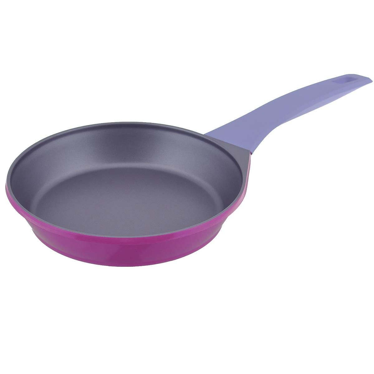 Сковорода Atlantis Moebius, с антипригарным покрытием, цвет: фиолетовый. Диаметр 24 см54 009312Сковорода Atlantis Moebius изготовлена из алюминия методом ковки с высококачественным антипригарным покрытием. Покрытие обладает повышенной устойчивостью к воздействию кухонных аксессуаров. С таким покрытием пища не пригорает и не прилипает к стенкам, поэтому можно готовить с минимальным добавлением масла и жиров. Комфортная ручка из термостойкого бакелита предотвращает выскальзывание, даже если у вас мокрые руки. Внешнее эмалевое покрытие очень прочное, обладает высокой термостойкостью и не меняет цвет при нагреве, легко моется. Подходит для использования на всех видах плит, в том числе и на индукционных.Диаметр (по верхнему краю): 24 см.Высота стенки: 4,5 см. Толщина стенки: 2,5 мм.Толщина дна: 2 мм.Длина ручки: 19 см.