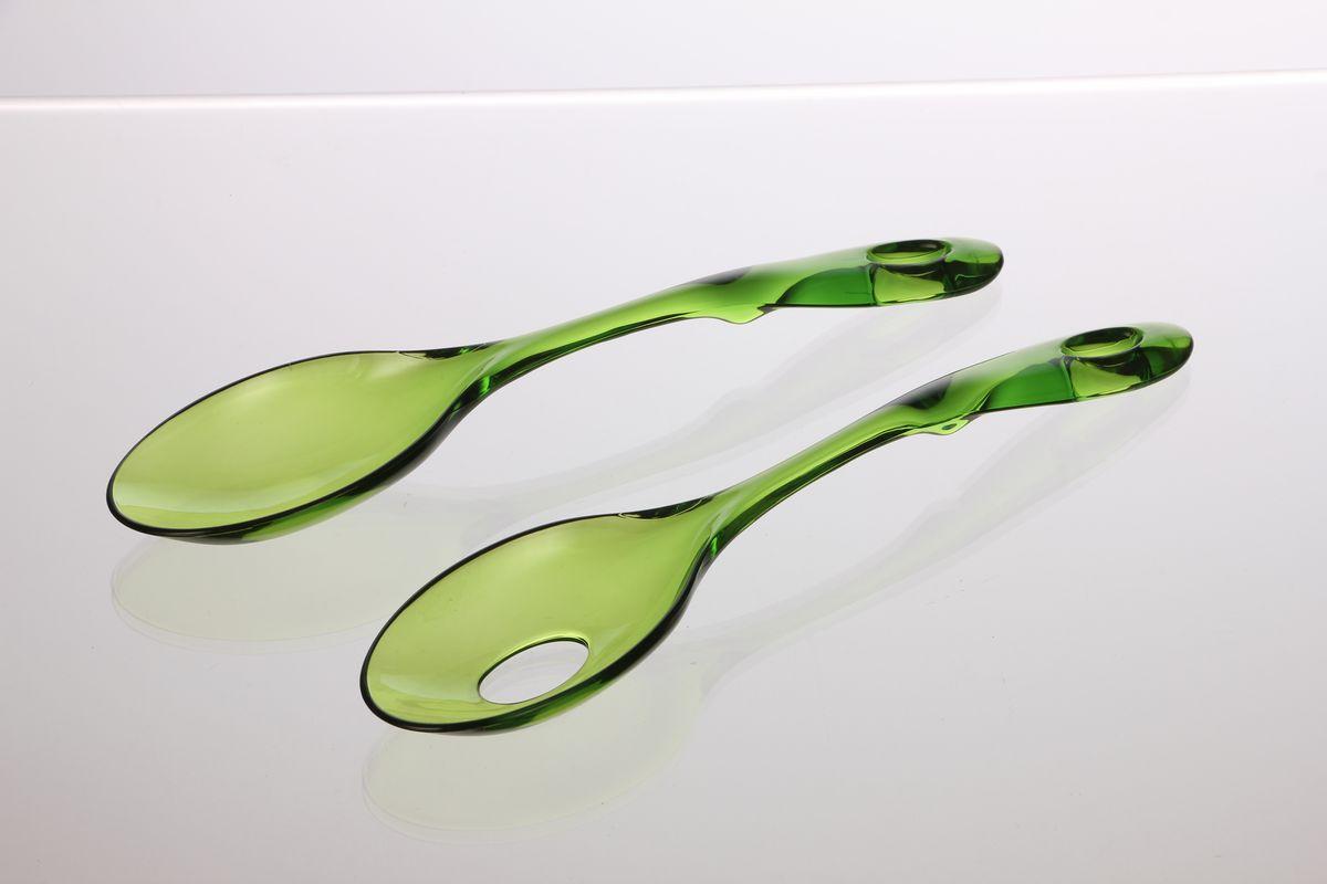 Ложка сервировочная Louis Gourmet, цвет: зеленый, длина 30 см, 2 шт54 009312Сервировочные ложки Louis Gourmet изготовлены из качественного пластика. Удобная ручка не позволит выскользнуть ложке из вашей руки, сделает приятным процесс приготовления любого блюда.На одной ложке предусмотрено специальное отверстие. Такими ложками удобно перемешивать, а также раскладывать блюда на тарелки. На ручке имеется небольшое отверстие, за которое изделие можно подвесить в любом удобном для вас месте. Практичные и удобные ложки Louis Gourmet займут достойное место среди аксессуаров на вашей кухне.