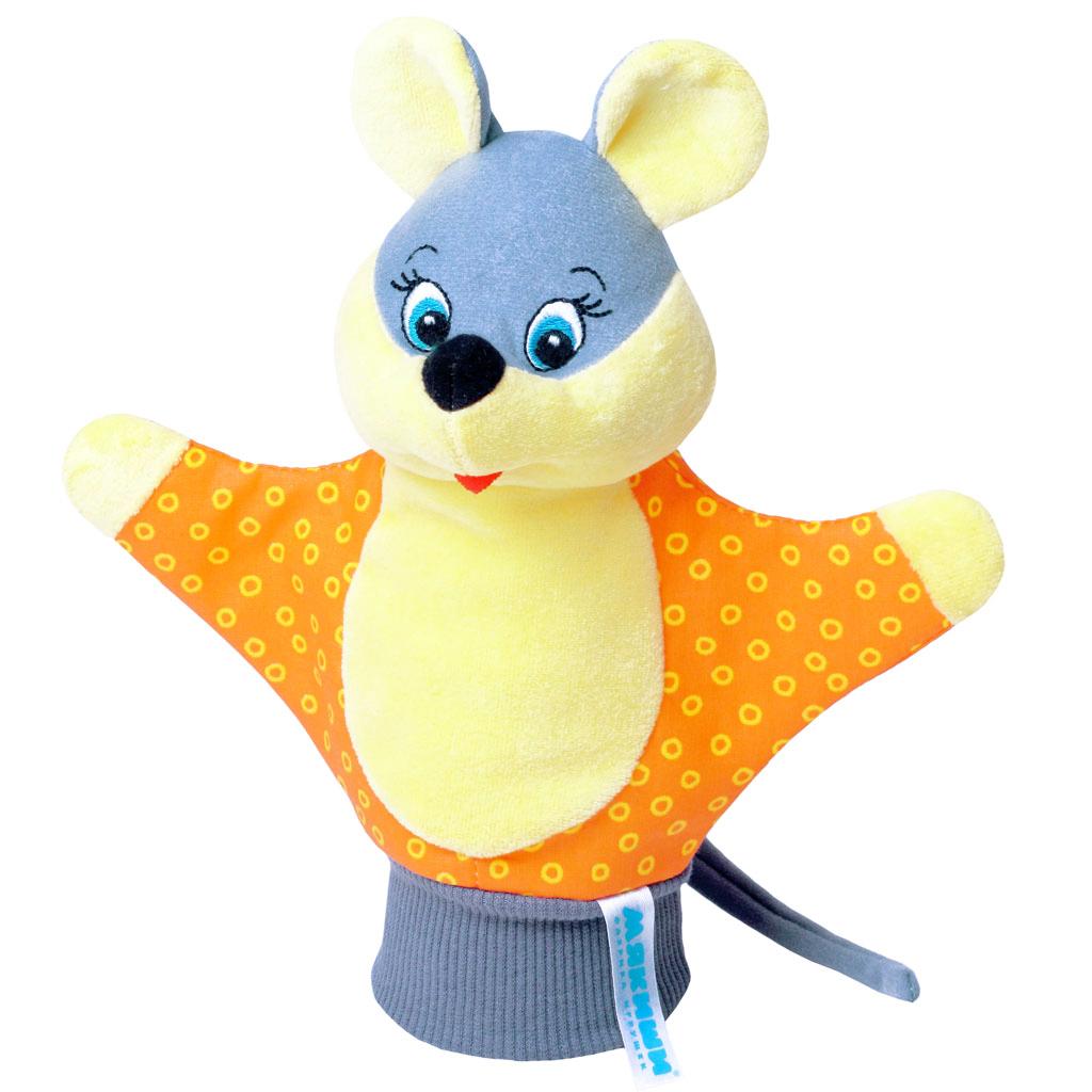 """Мягкая игрушка на руку """"Мышка"""" привлечет внимание малыша и не позволит ему скучать. Игрушка выполнена из высококачественной разнофактурной ткани и мягкого наполнителя, что позволяет ей быть абсолютно безопасной в игре. Забавная игрушка-рукавичка подходит для любого размера руки: и папиной ладошки, и маленькой детской ручки. В голове мышки спрятана погремушка. Надев игрушку на руку, вы и ваш малыш сможете разыграть различные сценки из любимых мультфильмов или собственные придуманные истории. Постановка домашнего спектакля - всегда незабываемое событие и для актеров и для зрителей. А для малышей, к тому же - важный шаг на пути к творческому самовыражению. Игрушка-рукавичка поможет укрепить мелкую моторику рук ребенка, развить его речевые способности и воображение."""