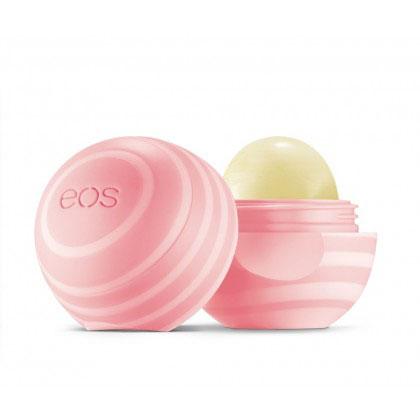 EOS Бальзам для губ Coconut Milk, 7 г5022EOS Бальзам для губ Coconut Milk содержит кокосовое масло. Бальзам на 95% органический, на 100% натуральный, не содержит парабенов и петролатум. Содержит антиоксиданты богатые витамином Е, успокаивающие масло ши и масло жожоба, EOS сохранит ваши губы увлажненными, мягкими и сенсационно гладкими. Необычный привлекательный дизайн, приятный на ощупь, тонкий аромат кокоса, любопытсво окружающих и Ваша улыбка - все это бальзам для губ EOS.