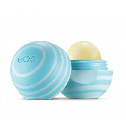 EOS Бальзам для губ Vanilla Mint, 7 г72523WDEOS Бальзам для губ Vanilla Mint содержит экстракт плодов ванинли. Бальзам на 95% органический, на 100% натуральный, не содержит парабенов и петролатум. Содержит антиоксиданты богатые витамином Е, успокаивающие масло ши и масло жожоба, EOS сохранит ваши губы увлажненными, мягкими и сенсационно гладкими. Необычный привлекательный дизайн, приятный на ощупь, тонкий аромат ванили, любопытсво окружающих и Ваша улыбка - все это бальзам для губ EOS.