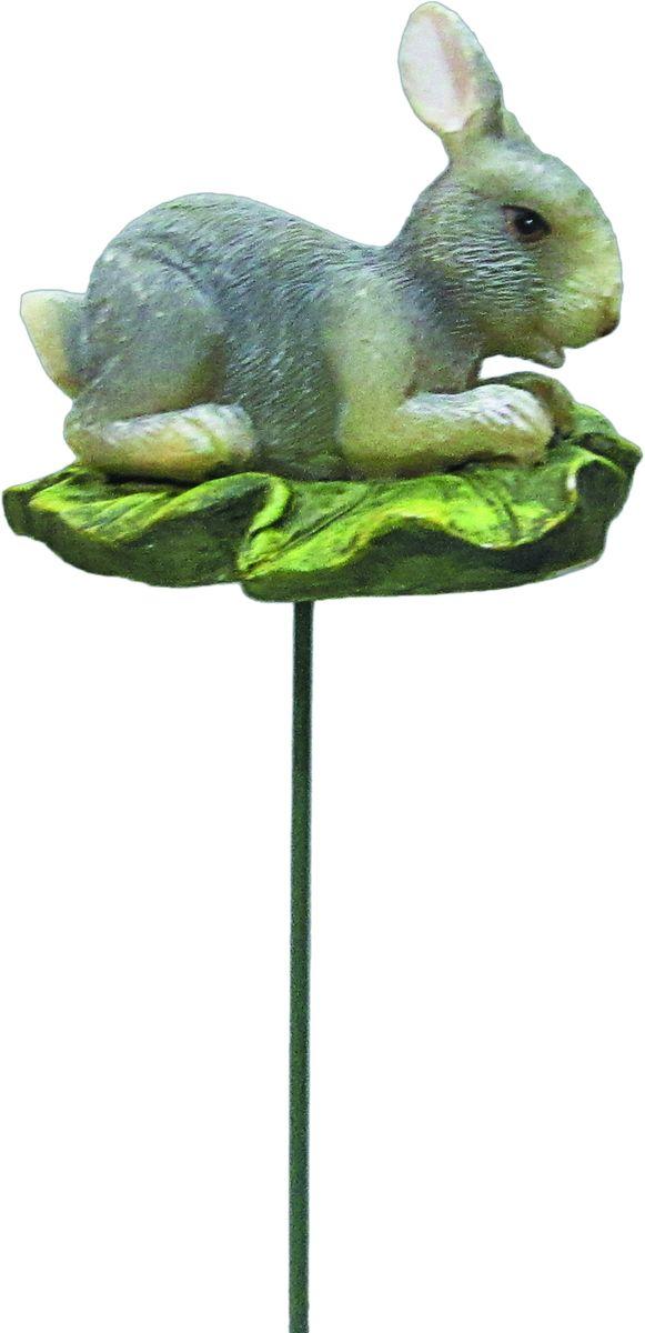 Штекер декоративный Green Apple Заяц, для цветочного горшка, высота 25 см29228Декоративныйштекер с фигурой Green Apple Заяц предназначен для разрыхления почвы в цветочных горшках и украшения цветочной композиции. Основание штекера изготовлено из стали и покрыто темно-зеленой эмалью, фигурка выполнена из полистоуна.