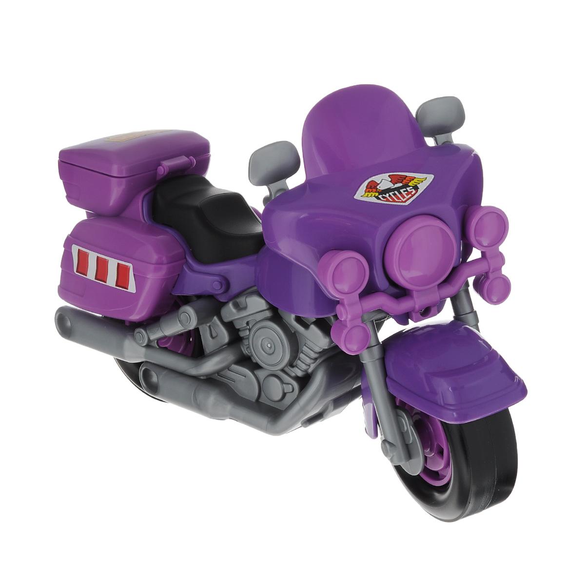 """Яркая игрушка """"Полицейский мотоцикл """"Харлей"""" привлечет внимание вашего малыша и не позволит ему скучать, ведь так интересно и захватывающе покатать свой спортивный мотоцикл или устроить гонку за преступником. Колеса мотоцикла крутятся, а руль может поворачиваться. Крышка багажника откидывается. Порадуйте своего непоседу такой замечательной игрушкой!"""