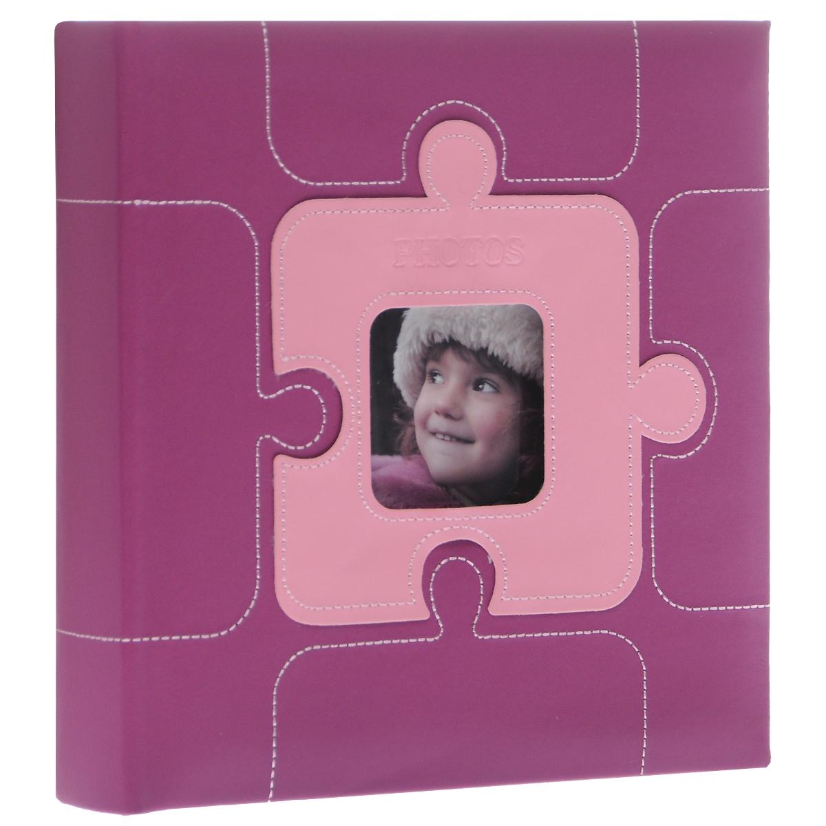 Фотоальбом Image Art, цвет: сиреневый, 200 фотографий, 10 см х 15 см64065Фотоальбом Image Art поможет красиво оформить ваши самые интересные фотографии. Обложка выполнена из толстого картона, обтянутого искусственной кожей. С лицевой стороны обложки имеется квадратное окошко для вашей самой любимой фотографии. Внутри содержится блок из 50 двусторонних листов с фиксаторами-окошками из полипропилена. Альбом рассчитан на 200 фотографий формата 10 см х 15 см. Для фотографий предусмотрено поле для записей. Переплет - книжный.Всегда так приятно вспоминать о самых счастливых моментах жизни, запечатленных на фотографиях. Поэтому фотоальбом является универсальным подарком к любому празднику.Количество листов: 50.Размер фотографии: 10 см х 15 см. Размер фотоальбома: 22 см х 22 см.