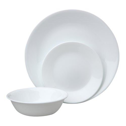 Набор посуды Winter Frost White 12пр, цвет: белыйVS-1621Преимуществами посуды Corelle являются долговечность, красота и безопасность в использовании. Вся посуда Corelle изготавливается из высококачественного ударопрочного трехслойного стекла Vitrelle и украшена деколями американских и европейских дизайнеров. Рисунки не стираются и не царапаются, не теряют свою яркость на протяжении многих лет. Посуда Corelle не впитывает запахов и очень долгое время выглядит как новая. Уникальная эмаль, используемая во время декорирования, фактически становится единым целым с поверхностью стекла, что гарантирует долгое сохранение нанесенного рисунка. Еще одним из главных преимуществ посуды Corelle является ее безопасность. В производстве используются только безопасные для пищи пигменты эмали, при производстве посуды не применяется вредный для здоровья человека меламин. Изделия из материала Vitrelle: Прочные и легкие; Выдерживают температуру до 180С; Могут использоваться в посудомоечной машине и микроволновой печи; Штабелируемые; Устойчивы к царапинам; Ударопрочные; Не содержит меламин.4 обеденные тарелки 26 см; 4 закусочные тарелки 22 см; 4 суповые тарелки 440 мл