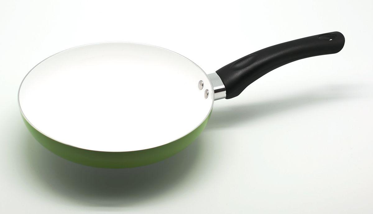Сковорода Atlantis, с керамическим покрытием, цвет: зеленый. Диаметр 24 см54 009312Алюминевая сковородка с керамическим антипригарным покрытием, 24 см.