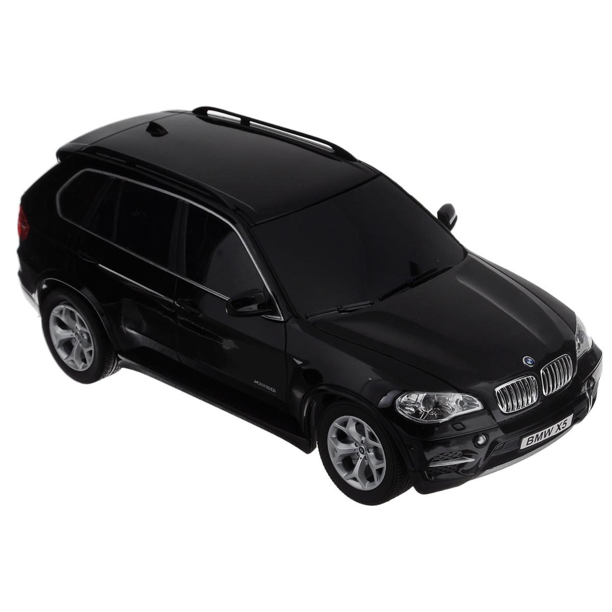 """Все мальчишки любят мощные крутые тачки! Особенно если это дорогие машины известной марки, которые, проезжая по улице, обращают на себя восторженные взгляды пешеходов. Радиоуправляемая модель TopGear """"BMW X5"""" - это детальная копия существующего автомобиля в масштабе 1:18. Машинка изготовлена из прочного легкого пластика; колеса прорезинены. При движении передние и задние фары машины светятся. При помощи пульта управления автомобиль может перемещаться вперед, дает задний ход, поворачивает влево и вправо, останавливается. Встроенные амортизаторы обеспечивают комфортное движение. В комплект входят машинка, пульт управления, зарядное устройство (время зарядки составляет 4-5 часов), аккумулятор и 2 батарейки. Автомобиль отличается потрясающей маневренностью и динамикой. Ваш ребенок часами будет играть с моделью, устраивая захватывающие гонки. Машина работает от аккумулятора 500 mAh напряжением 4,8V (входит в комплект). Пульт управления работает от 2..."""