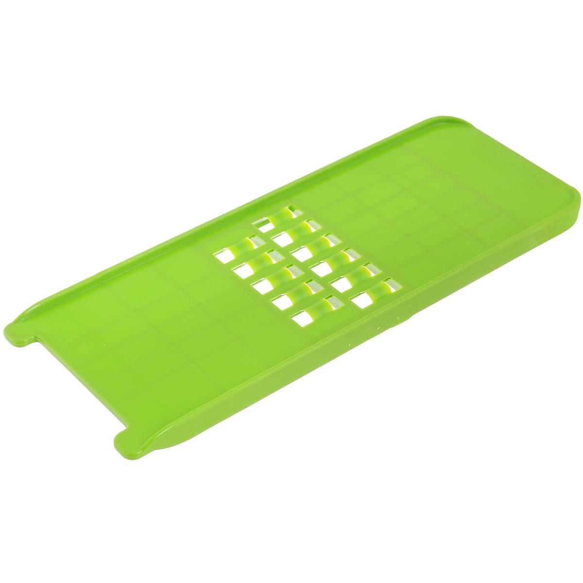 Терка-овощерезка Borner, цвет: зеленый, 10 х 26,5 х 1,5 см3810174Терка-овощерезка Borner будет отличным помощником на вашей кухне, особенно для любителей пиццы, картофельно-сырной запеканки и селедки под шубой. Терка-овощерезка имеет ударопрочный пластмассовый корпус с острыми двухсторонними ножами.Виды нарезки:длинная, плоская, тонкая, но широкая стружка-лапша - для нарезки сыра и любых овощей;крупная стружка для любых овощей нарезаемых поперек длины (например, морковь, огурец).Приятная деталь - у овощерезки нет металлических ножей, а вареные овощи не прилипают к пластмассовой терке.Размер терки-овощерезки: 10 см х 26,5 см х 1,5 см.