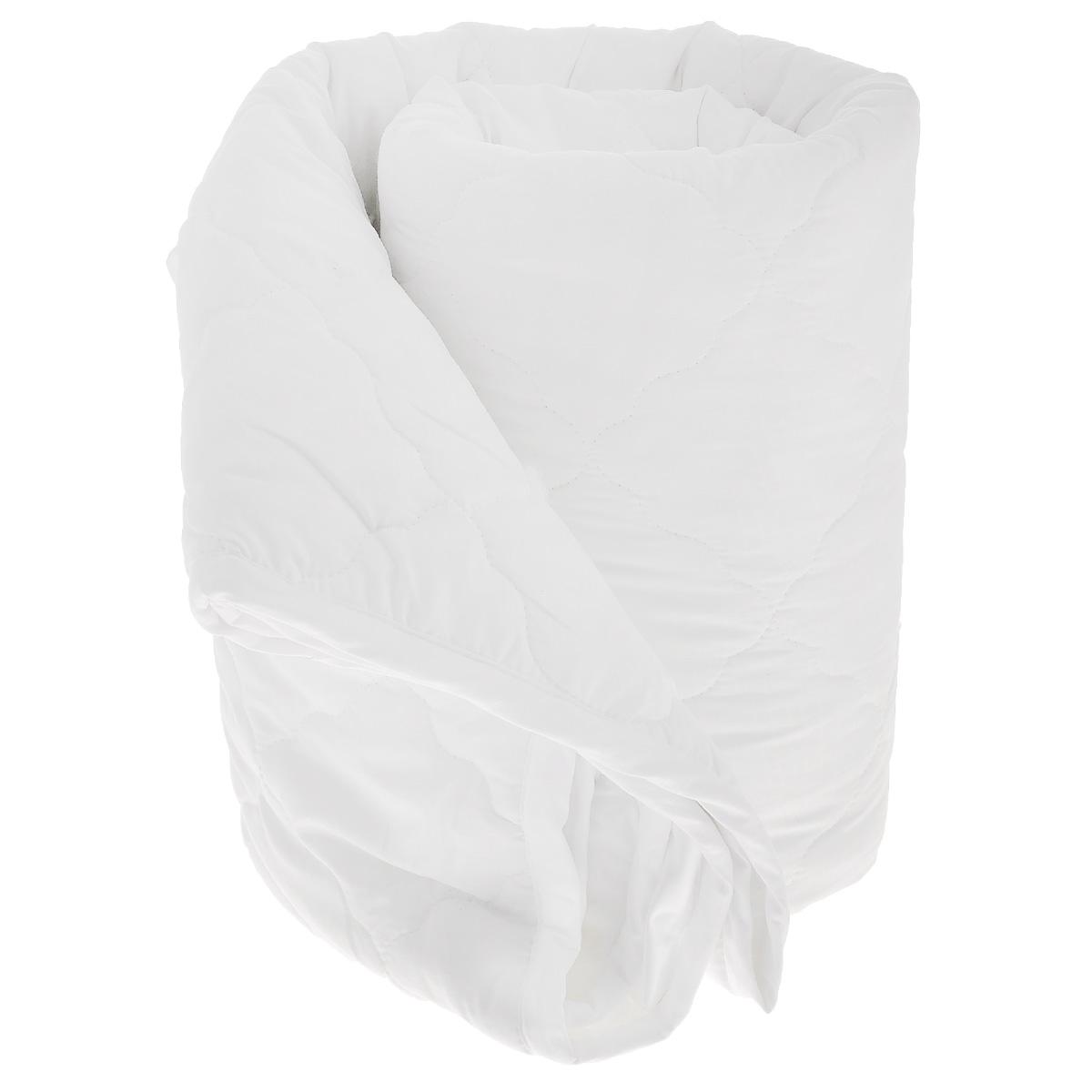 Одеяло La Prima В нежности микрофибры, наполнитель: полиэфирное волокно, цвет: белый, 200 х 220 см531-401Одеяло La Prima В нежности микрофибры очень легкое, воздушное и одновременно теплое. Идеально подойдет тем, кто ценит мягкость и тепло. Такое изделие подарит комфортный сон. Благодаря особой структуре микроволокна, изделие приобретают дополнительную мягкость и надолго сохраняют свой первоначальный вид. Чехол одеяла выполнен из шелковистой микрофибры, оформленной изящным фактурным теснением под кожу рептилий. Наполнитель - полиэфирное волокно - холлотек. Изделие обладает высокой воздухопроницаемостью, прекрасно сохраняет тепло. Оно гипоаллергенно и очень практично и неприхотливо в уходе. Ручная стирка при температуре 30°С. Материал чехла: 100% полиэстер - микрофибра.Наполнитель: полиэфирное волокно - холлотек.