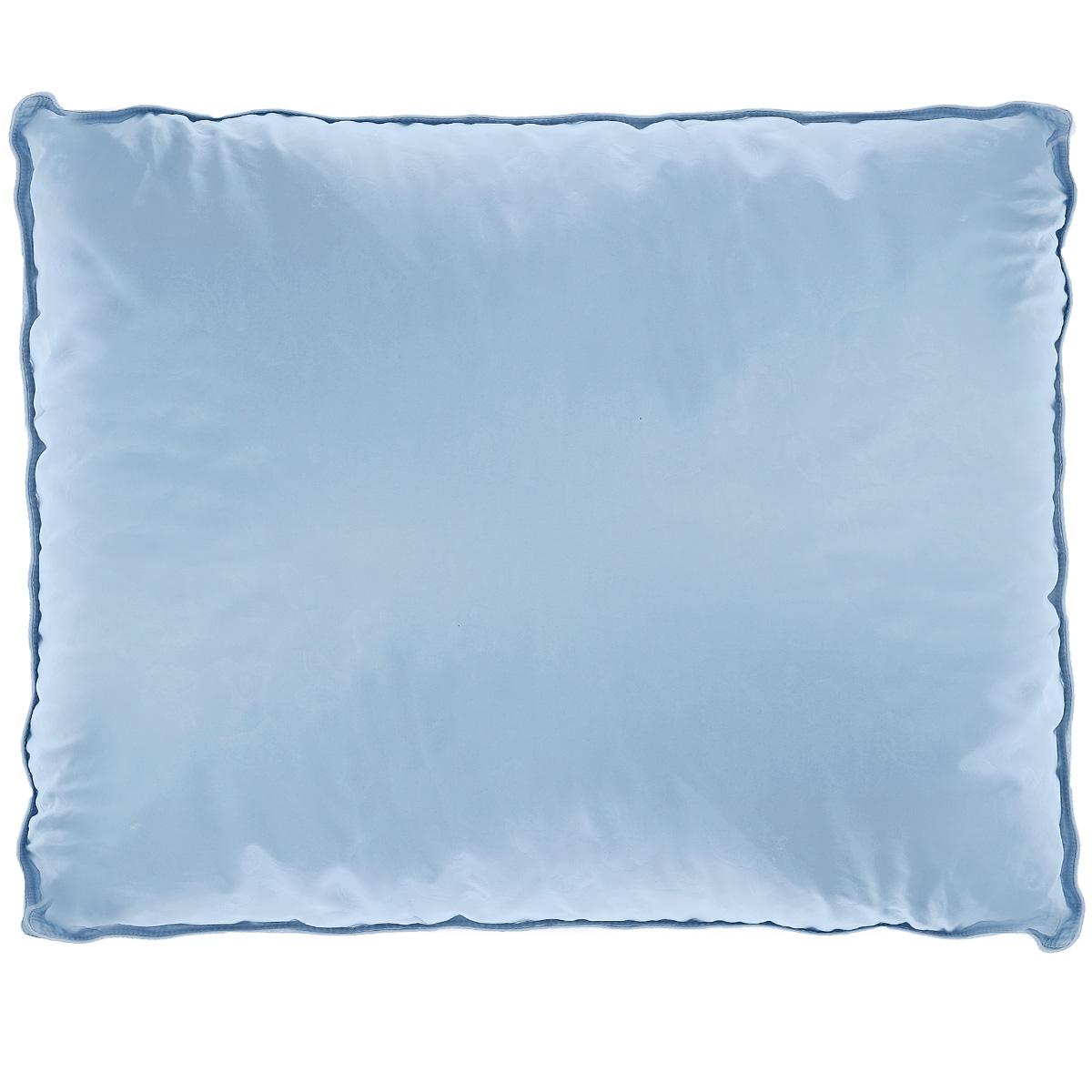 Подушка La Prima В нежности микрофибры, наполнитель: искусственный лебяжий пух, цвет: голубой, 70 х 70 смCLP446Подушка La Prima В нежности микрофибры очень легкая, воздушная и одновременно теплая. Идеально подойдет тем, кто ценит мягкость и тепло. Такое изделие подарит комфортный сон. Чехол подушки выполнен из шелковистой микрофибры (двойной), оформленной изящным фактурным теснением в виде бабочек. Наполнитель - аналог натурального лебяжьего пуха. Подушка обладает высокой воздухопроницаемостью, прекрасно сохраняет тепло. Она гипоаллергенна и практична в уходе. Ручная стирка при температуре 30°С. Материал чехла: 100% полиэстер - микрофибра.Наполнитель: полиэфирное волокно/искусственный аналог лебяжьего пуха.