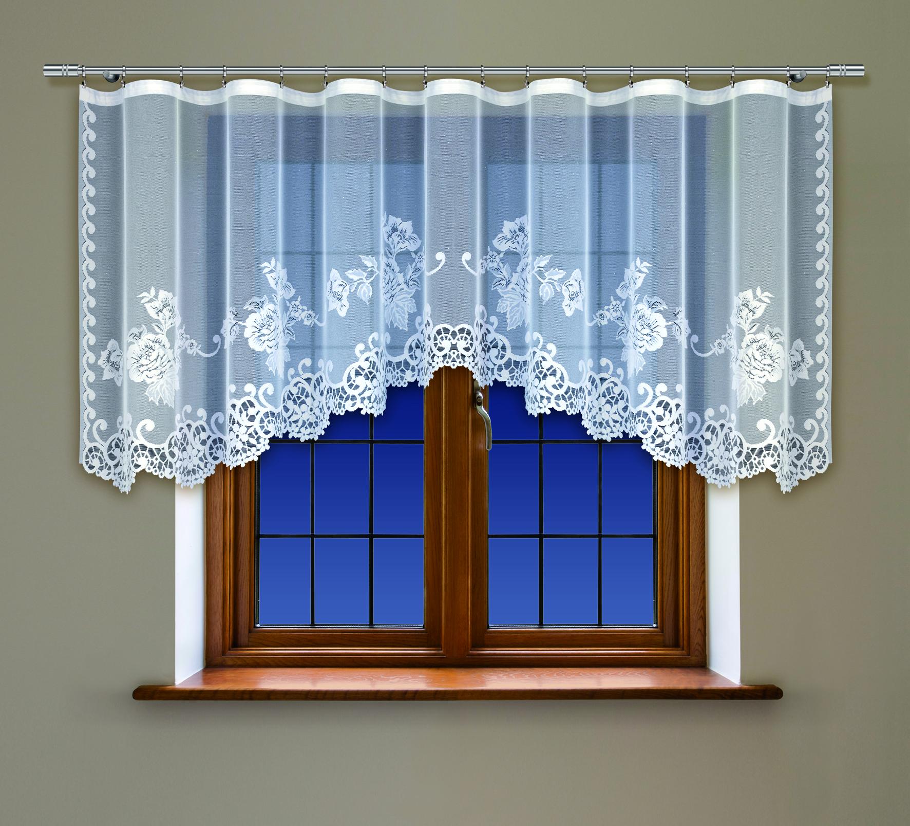 Гардина Haft, на ленте, цвет: белый, высота 115 см. 218370/115SVC-300Воздушная гардина Haft, изготовленная из полиэстера белого цвета, станет великолепным украшением кухонного окна. Оригинальный цветочный рисунок, тонкое кружево и нежный орнамент привлечет к себе внимание и органично впишется в интерьер помещения. В гардину вшита шторная лента для красивой сборки. В комплект входит: Гардина - 1 шт. Размер (Ш х В): 300 см х 115 см.