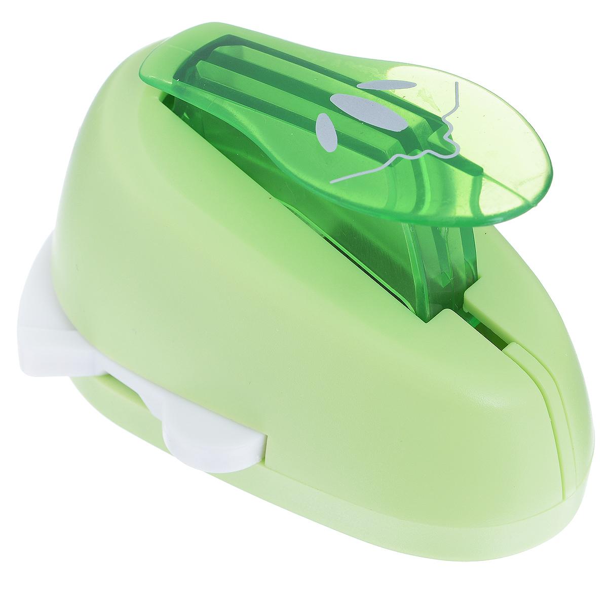 Дырокол фигурный Астра Трилистник, угловой. CD-99MAFS-36052Дырокол Астра Трилистник поможет вам легко, просто и аккуратно вырезать много одинаковых мелких фигурок.Режущие части компостера закрыты пластмассовым корпусом, что обеспечивает безопасность для детей. Вырезанные фигурки накапливаются в специальном резервуаре. Можно использовать вырезанные мотивы как конфетти или для наклеивания. Угловой дырокол подходит для разных техник: декупажа, скрапбукинга, декорирования.Размер дырокола: 8 см х 6 см х 5 см. Размер готовой фигурки: 2,5 см х 2 см.