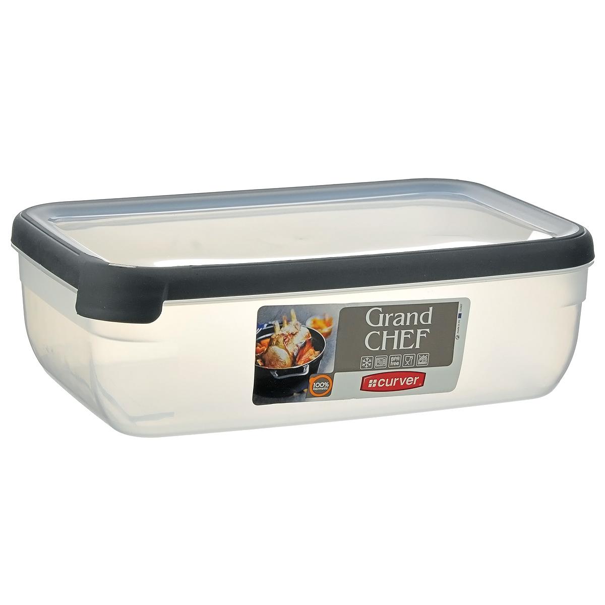 Емкость для заморозки и СВЧ Curver Grand Chef, цвет: серый, 4 лVT-1520(SR)Прямоугольная емкость для заморозки и СВЧ Grand Chef изготовлена из высококачественного пищевого пластика (BPA free), который выдерживает температуру от -40°С до +100°С. Стенки емкости и крышка прозрачные. Крышка по краю оснащена силиконовой вставкой, благодаря которой плотно и герметично закрывается, дольше сохраняя продукты свежими и вкусными. Емкость удобно брать с собой на пикник, дачу, в поход или просто использовать для хранения пищи в холодильнике. Можно использовать в микроволновой печи и для заморозки в морозильной камере. Можно мыть в посудомоечной машине.