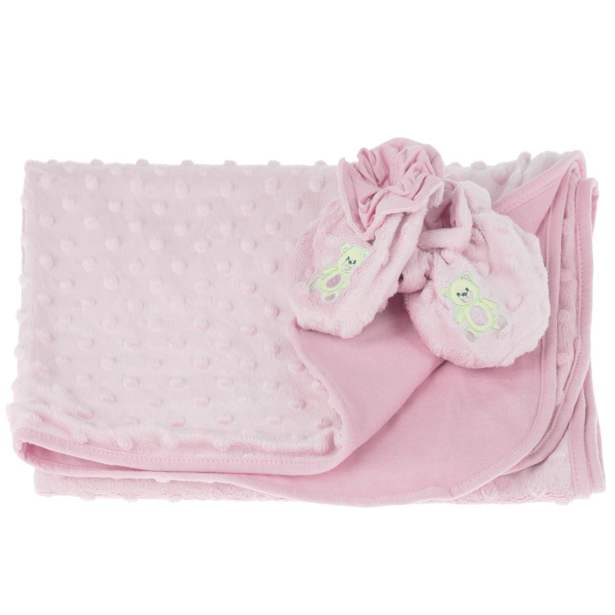 Набор детский Baby Nice: покрывало, пинетки, цвет: розовыйК 03481_розовыйДетский набор Baby Nice в коляску, состоит из одеяла и пинеток. Набор изготовлен из экологичных материалов: верх изготовлен из ткани нового поколения Micro Velour, обладающей терморегулирующими и влагорегулирующими свойствами, подкладка - 100% натуральный хлопчатобумажный трикотаж. Пинетки украшены небольшой вышивкой в виде мишек. Они дышащие, из легкой воздухопроницаемой ткани, и сохраняющие тепло, что не позволят замерзнуть ножкам ребенка. Мама малыша, укрытого потрясающе мягким, необыкновенно легким и исключительно теплым одеялом, может быть спокойна за покой и комфортный сон своего ребенка на прогулке, на свежем воздухе. Набор окрашен гипоаллергенными красителями. Размер одеяла: 70 см х 98 см. Пинетки для детей от 0 до 3 лет.