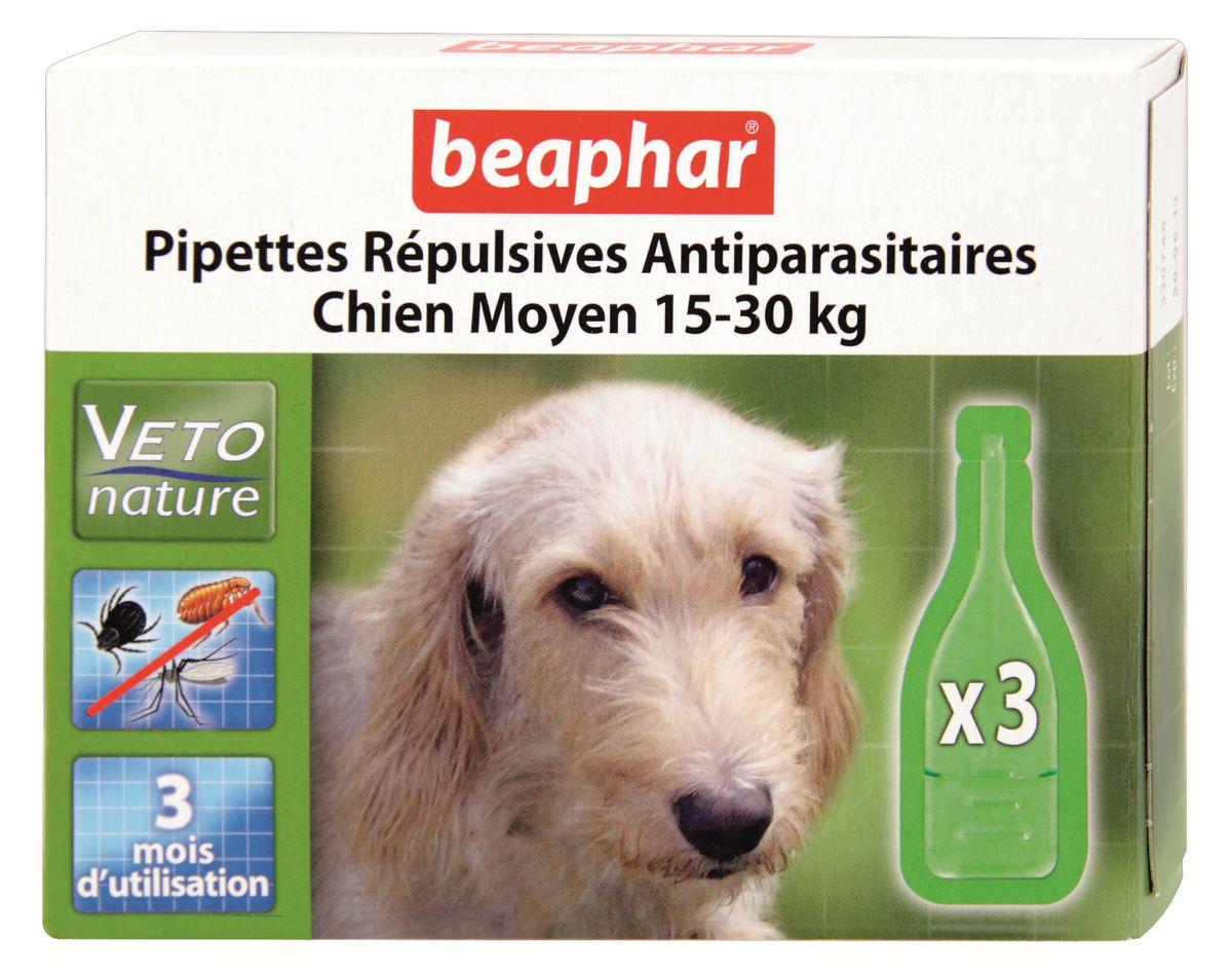 Капли от блох и клещей Beaphar, для собак средних пород, 3 х 2 мл0120710Капли Beaphar - это капли с натуральными маслами для собак средних пород (15-30 кг) с 12 недельного возраста. Отпугивают блох, клещей и комаров. Одна дозировка защищает животное от паразитов в течении 1 месяца. В упаковке 3 пипетки по 2 мл. Способ применения: отломать верх пипетки и нанести содержимое пипетки на холку. Повторить через 4 недели. Осторожно использовать капли на животных с белой шерстью, так как шерсть может слегка окраситься в месте нанесения препарата. Не использовать на больных и выздоравливающих животных. Избегать попадания в глаза, нос животного. Состав: экстракт маргозы 50 г/л., экстракт пиретрума 20 г/л. Товар сертифицирован.