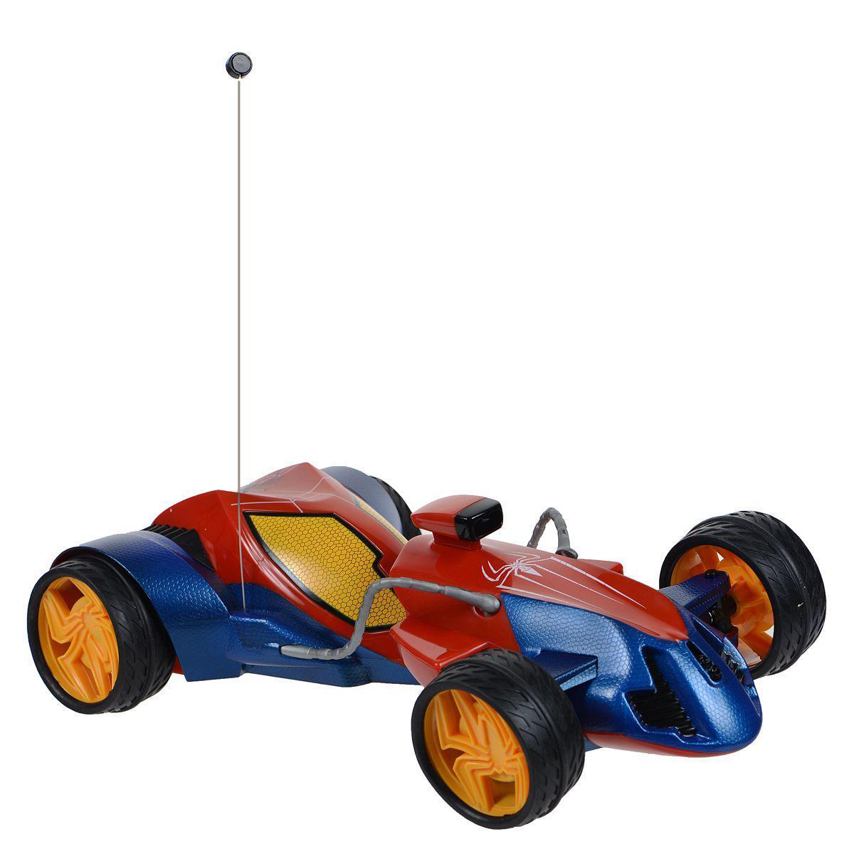 """Настало время для умопомрачительных высокоскоростных гонок, и машинка на радиоуправлении Majorette """"The Amazing Spider-Man"""" идеально подходит для этого! С мощной машиной ваш малыш будет победителем в любой заезде со своими друзьями, а двухканальный пульт дистанционного управления позволит играть малышу сразу с двумя одинаковыми наборами. Задние колеса машины могут поворачиваться на 45°, делая поездку не только быстрой, но и маневренной. Машинка имеет обтекаемый пластиковый корпус и символику Человека-паука. Пульт выполнен в полукруглой эргономичной форме и снабжен жесткими держателями с двумя синими клавишами. Пульт управления работает на частоте 27 MHz. Для работы игрушки необходимы 5 батареек типа АА (товар комплектуется демонстрационными). Для работы пульта управления необходима 1 батарейка типа """"Крона"""" (товар комплектуется демонстрационной)."""