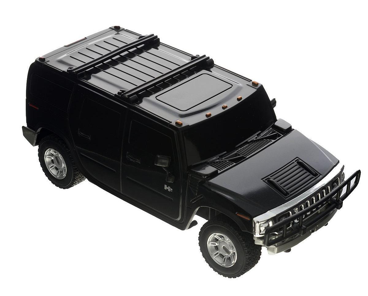 """Радиоуправляемая модель Rastar """"Hummer H2"""" обязательно привлечет внимание взрослого и ребенка и понравится любому, кто увлекается автомобилями. Маневренная и реалистичная уменьшенная копия """"Hummer H2"""" выполнена в точной детализации с настоящим автомобилем в масштабе 1:27. Управление машинкой происходит с помощью пульта. Машинка двигается вперед и назад, поворачивает направо, налево и останавливается. Имеются световые эффекты. Колеса игрушки прорезинены и обеспечивают плавный ход, машинка не портит напольное покрытие. Радиоуправляемые игрушки способствуют развитию координации движений, моторики и ловкости. Ваш ребенок часами будет играть с моделью, придумывая различные истории и устраивая соревнования. Порадуйте его таким замечательным подарком! Машина работает от 3 батареек напряжением 1,5V типа АА (не входят в комплект). Пульт управления работает от 2 батареек напряжением 1,5V типа АА (не входят в комплект)."""