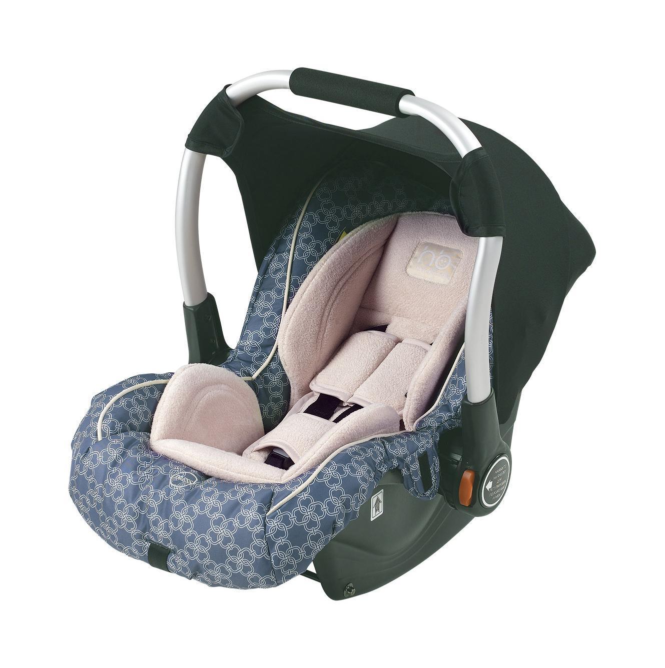 Автокресло Happy Baby Gelios цвет синий4690624016677Happy Baby Gelios — автокресло-переноска группы 0+ (для детей с рождения до 13 кг). Данная модель обладает всеми необходимыми функциями для обеспечения безопасности: трехточечными ремнями безопасности, боковой защитой и прочным корпусом. Комфорт в дороге обеспечивают мягкий вкладыш для новорожденного, солнцезащитный козырек и чехол на ножки. Тканевая обивка легко стирается. Автокресло можно использовать как переноску или в качестве качалки. Отличительная особенность данной модели — ее маленький вес, всего 3,3 кг, что позволяет маме без труда нести кресло вместе с ребенком, не тревожа его сон. Трикотажный тент от солнца закрепляется на ручке для переноски. Автокресло крепится в автомобиле с помощью трехточечных штатных ремней безопасности и устанавливается лицом против движения автомобиля.