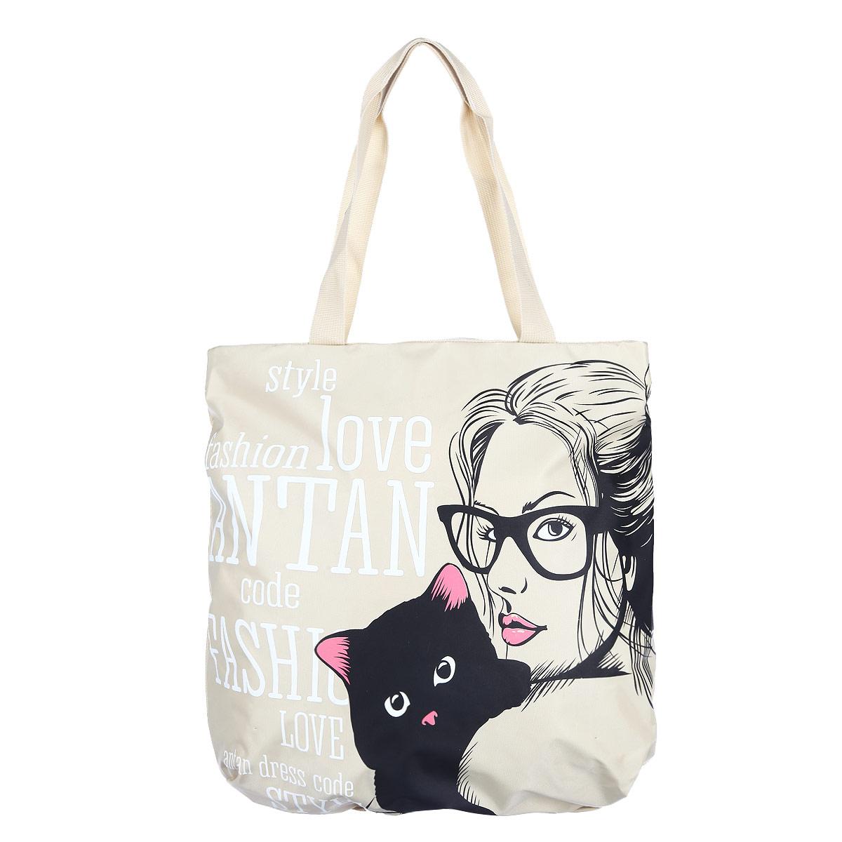 Сумка женская Antan Black cat, цвет: бежевый. 1-112S76245Стильная сумка Antan выполнена из плотного капровинила и оформлена принтом с изображением девушки с кошкой и различными надписями. Сумка имеет одно вместительное отделение, закрывающееся на застежку-молнию. Внутри - нашивной карман на молнии. Сумка оснащена двумя удобными ручками из текстиля, позволяющими носить ее на плече.Такая сумка будет незаменима при походе на пляж или для загородной прогулки.