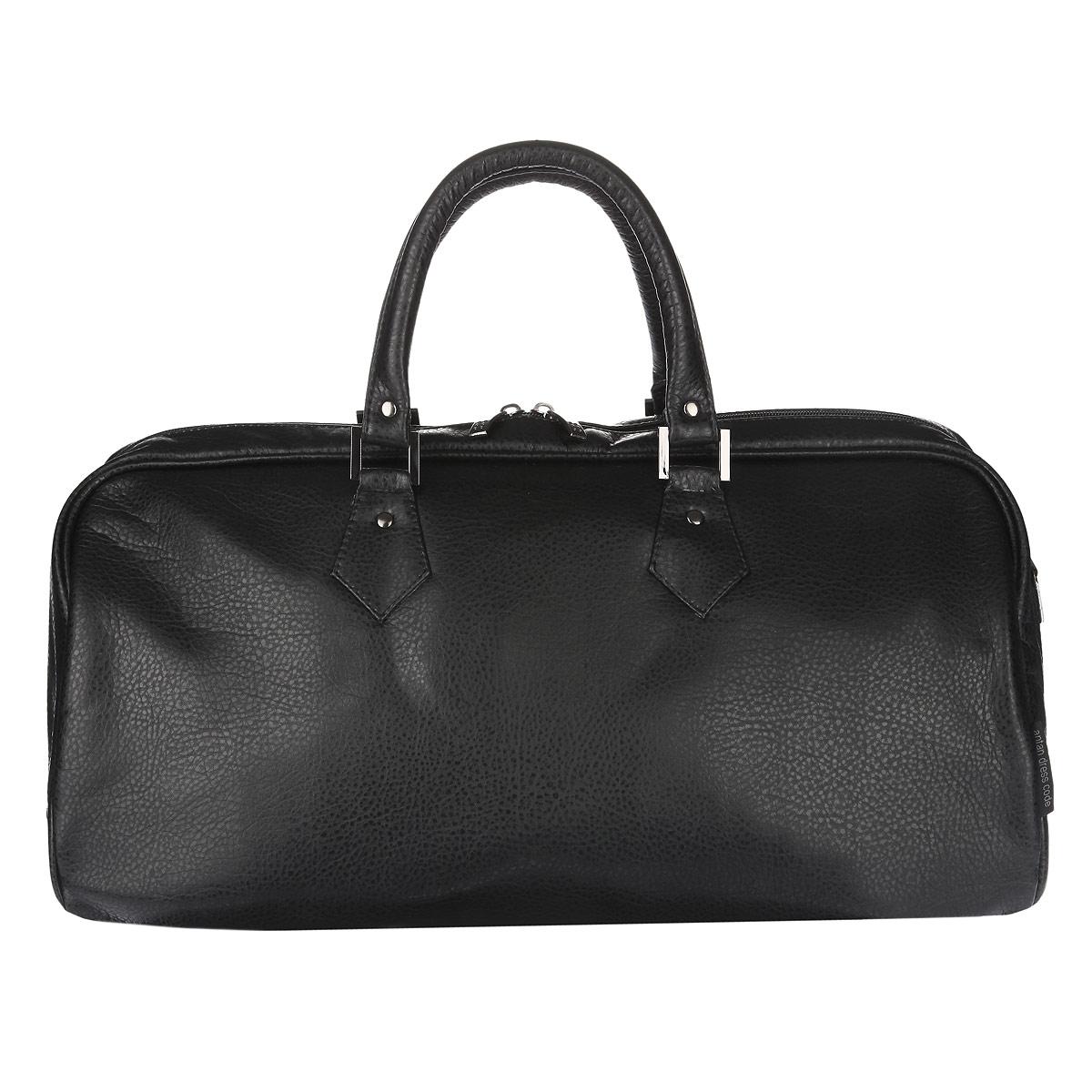 Сумка дорожная Antan, цвет: черный. 2-132 ВW16-07Вместительная дорожная сумка Antan выполнена из искусственной кожи и состоит из одного вместительного отделения, закрывающегося на пластиковую застежку-молнию с двумя бегунками. Внутри расположен вшитый карман на застежке-молнии. Сумка оснащена двумя удобными ручками и съемным плечевым регулируемым ремнем. Дно уплотнено.Такая модель отлично подойдет для поездок