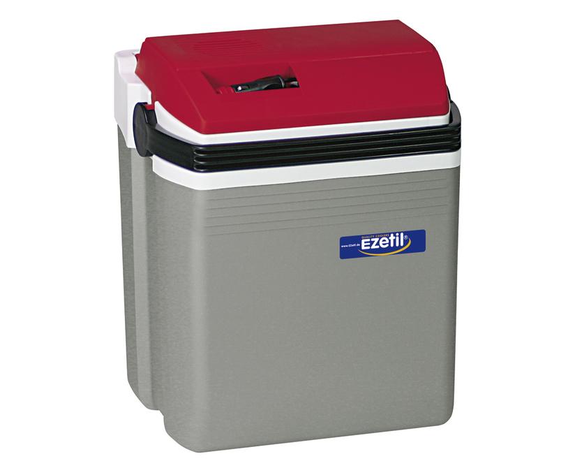 Термоэлектрический контейнер охлаждения Ezetil E21 12V, цвет: красный, серый, 19,6 лS28 DCТермоэлектрический контейнер охлаждения Ezetil предназначен для использования в салоне автомобиля в качестве портативного холодильника. Контейнер выполнен из высококачественного пластика, корпус гладкий, эргономичного дизайна, ударопрочный. Принцип действия термоэлектрического контейнера (холодильника) основан на свойстве полупроводниковых пластин, это свойство получило название эффект Пельтье. При протекании тока через полупроводниковую пластину одна сторона ее охлаждается (этой стороной пластина обращена внутрь контейнера), другая сторона - нагревается (эта сторона обращена наружу и охлаждается вентилятором). Дополнительный внутренний вентилятор в холодильной камере обеспечивает быстрое и равномерное охлаждение. Мощная, не нуждающаяся в техобслуживании охлаждающая система Peltier гарантирует оптимальную производительность по холоду. Действенная изоляция с наполнителем из пеноматериала поддерживает в холодном состоянии пищу и напитки в течение длительного времени в т.ч. и без подачи электроэнергии. Для повышения эффективности термоэлектрического контейнера (холодильника), а также когда он не подключен к сети (например, на даче, на пикнике) внутрь автохолодильника можно поместить аккумуляторы холода (в комплект не входят). Специальная уплотнительная резина в крышке уменьшает образование конденсата в холодильной камере. Это особенно важно при охлаждении продуктов питания. Контейнер работает от бортовой сети автомобиля 12 вольт. Шнур питания вмонтирован в специальный отсек на верхней части крышки. Контейнер имеет широко открывающуюся крышку для легкого доступа к продуктам и усиленную подвижную ручку. Крышка плотно и герметично закрывается. Контейнер очень вместительный: в него с легкостью вместятся 5 бутылок по 1,5 л или 30 алюминиевых банок по 0,33 л. Такой контейнер можно взять с собой куда угодно: на отдых, пикник, кемпинг, на дачу, на рыбалку или охоту и т.д. Идеальный вариан