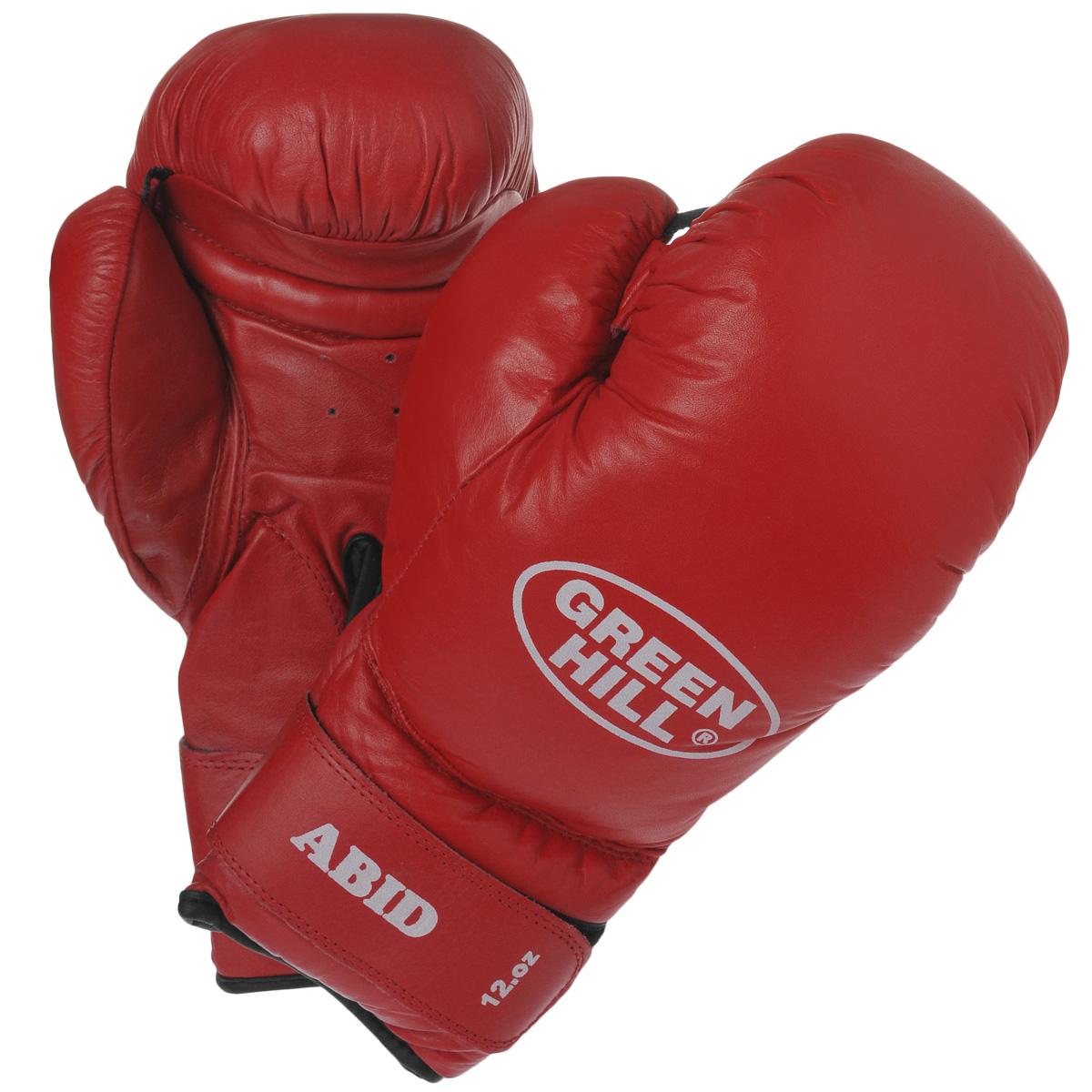 Перчатки боксерские Green Hill Abid, цвет: красный. Вес 12 унцийAIRWHEEL M3-162.8Боксерские тренировочные перчатки Green Hill Abid выполнены из натуральной кожи. Они отлично подойдут для начинающих спортсменов. Мягкий наполнитель из очеса предотвращает любые травмы. Широкий ремень, охватывая запястье, полностью оборачивается вокруг манжеты, благодаря чему создается дополнительная защита лучезапястного сустава от травмирования. Застежка на липучке способствует быстрому и удобному одеванию перчаток, плотно фиксирует перчатки на руке.