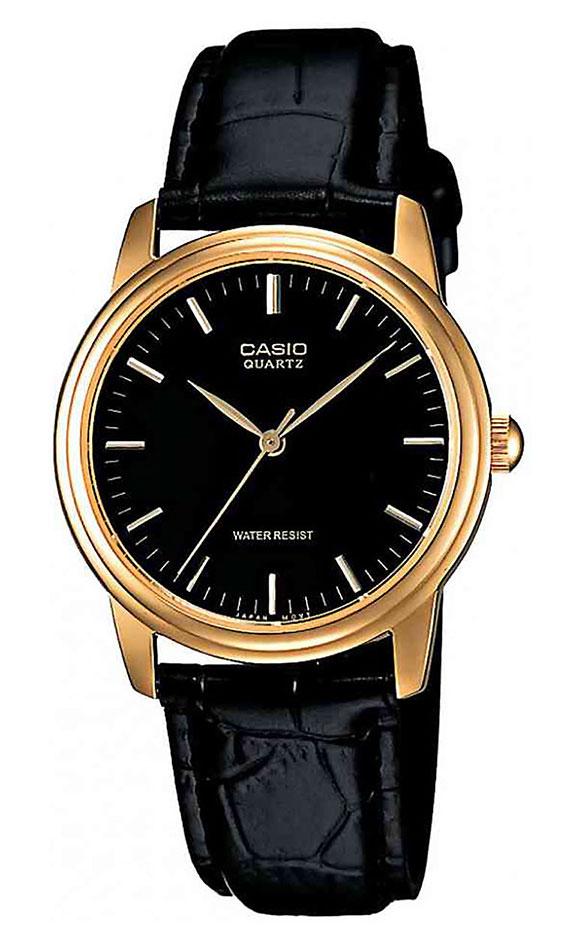 Часы мужские наручные Casio, цвет: золотистый, черный. MTP-1154PQ-1ABM8434-58AEСтильные мужские часы Casio выполнены из нержавеющей стали, натуральной кожи и минерального стекла. Часы оформлены символикой бренда.Корпус часов выполнен из нержавеющей стали и имеет степень влагозащиты равную 5 atm. Ремешок изделия выполнен из натуральной кожи с тиснением под рептилию, оснащен пряжкой, которая позволит моментально снимать и надевать часы без лишних усилий.Изделие поставляется в фирменной упаковке.Часы Casio подчеркнут мужской характер и отменное чувство стиля у их обладателя.