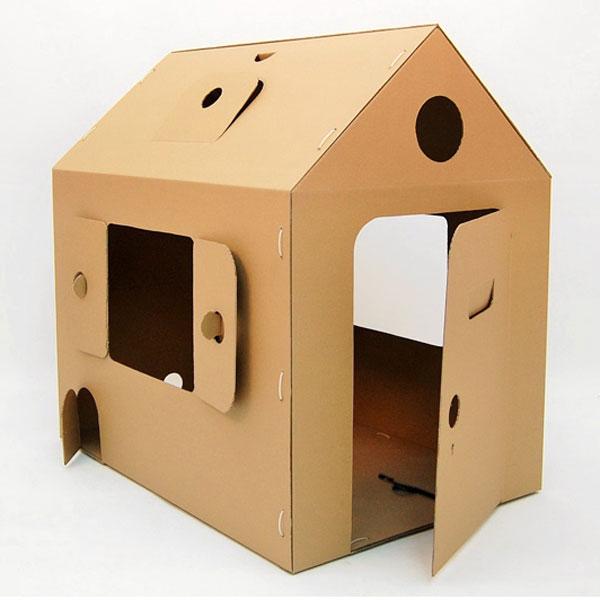 Мой первый дом - это многофункциональная игрушка, которую можно легко собрать, разобрать, перевезти и собрать на новом месте. Его можно использовать не только как домик для ребенка, но и в качестве кукольного театра, гаража для автомобиля или жилища для плюшевого домашнего питомца. А еще, его точно полюбит не только ребенок, но и ваша кошка. Ведь через множество окошек в стенах и на крыше, можно наблюдать за всеми, при этом оставаясь незамеченными. А если все-таки заметили, то можно потихоньку улизнуть, через секретный лаз! Домик сделан из экологически чистого, трехслойного гофрокартона, толщиной 3 мм., состоит всего из трех деталей и собирается за 10 мин., с помощью пластиковых стяжек (они в комплекте), через заранее подготовленные отверстия. Габариты домика позволяют уместиться в нем родителю одновременно с ребенком, а так же проносить его через большинство межкомнатных дверей. В домике есть четыре больших окна, на боковых фасадах и на крыше, и еще два маленьких окошка на обоих...