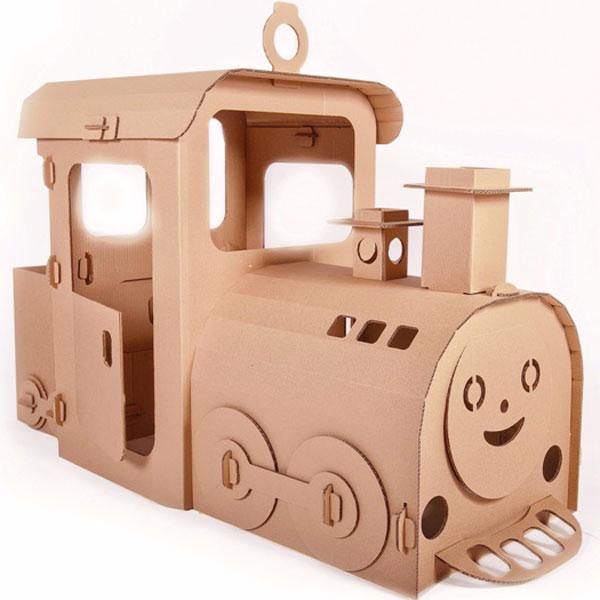 Почему паровоз и почему из Лукошкино? Отвечая на эти вопросы, могу сказать, что в своей творческой деятельности, я очень часто слышал просьбы родителей сделать картонный паровозик, так как очень многие мальчишки увлекаются этим видом транспорта и этими прекрасными машинами. Поэтому, я очень рад, что у меня, наконец-то, получилось сделать такую игрушку. Кроме того, мой дедушка работал машинистом паровоза и эта игрушка - дань уважения этому нелегкому труду и немножко символ моих детских воспоминаний о рассказах дедушки. Ну а Лукошкино... Мне просто очень нравится это название! В нем есть что-то очень домашнее, какой-то уют и теплота... Как дома у бабушки и дедушки, где вкусно пахнет блинами и где тебе всегда рады и ждут. И очень здорово, однажды приехать туда на таком красивом паровозике! Отличный подарок и развлечение на природе к детскому дню рождения, особенно если именинник увлекается железной дорогой. Сделан из прочного гофрокартона, 7 мм. толщиной и очень быстро...