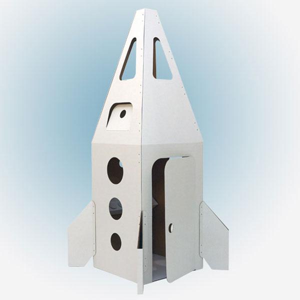 Ракета на Марс - пилотируемый многоразовый корабль, среднего класса, предназначенный для покорения Марса и ответа на самый главный вопрос, всех времен и народов - Есть ли жизнь на Марсе или нет? Быстро и гарантированно доставит экспедицию из двух космонавтов от Земли до Марса. Ракета сделана из экологически чистого, трехслойного гофрокартона, толщиной 3 мм. и состоит из трех больших деталей и четырех деталей стабилизаторов и собирается за 10 мин., с помощью пластиковых стяжек (они в комплекте), через заранее подготовленные отверстия. В ракете с комфортом разместятся пилот и штурман. Размер ракеты в упаковке - 720х980х50 мм., а в собранном виде - 550х550х1800 мм., без учета стабилизаторов. В корпусе ракеты есть шесть круглых иллюминаторов, специальный смотровой люк пилота, четыре люка в головной части для наблюдения за звездами и еще два штурманских люка, для корректировки курса корабля. Космонавты попадают на корабль через специальный входной люк. Ракета оборудована всем...