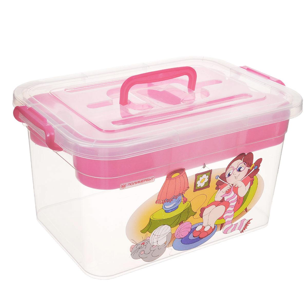 Контейнер для хранения Полимербыт Рукоделие, с вкладышем, цвет: прозрачный, розовый, 10 лС81002_вязаниеКонтейнер Полимербыт Рукоделие выполнен из прочного пластика и предназначен для хранения предметов рукоделия. Внутри имеется съемный пластиковый лоток с пятью секциями разной формы и размера для хранения мелких принадлежностей. Закрывается контейнер при помощи крепких защелок по бокам, которые не допускают случайного открывания. Для удобства эксплуатации на крышке есть ручка. Контейнер поможет хранить все в одном месте, а также защитить вещи от пыли, грязи и влаги.Размер вкладыша: 30,4 см х 20 см х 6 см. Размер самого большой секции вкладыша: 20 см х 9,8 см х 4 см. Размер самого маленькой секции вкладыша: 9,8 см х 9,8 см х 4 см.