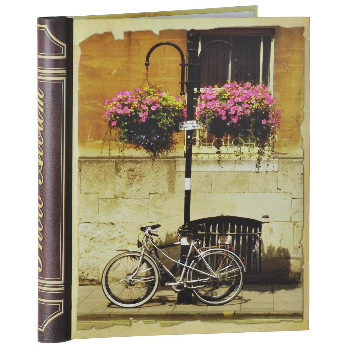 Фотоальбом Феникс-презент Велосипед, на кольцах, 10 магнитных листов, 24,5 х 29 смTHN132NФотоальбом Феникс-презент Велосипед, изготовленный из картона с клеевым покрытием и пленки ПВХ, сохранит моменты ваших счастливых мгновений на своих страницах! Обложка альбома оформлена изображением велосипеда. Листы размещены на пластиковых кольцах. Альбом с магнитными листами удобен тем, что он позволяет размещать фотографии разных размеров. Магнитные страницы обладают следующими преимуществами: - Не нужно прикладывать усилий для закрепления фотографий, - Не нужно заботиться о размерах фотографий, так как вы можете вставить в альбом фотографии разных размеров, - Защита фотографий от постоянных прикосновений зрителей с помощью пленки ПВХ.Нам всегда так приятно вспоминать о самых счастливых моментах жизни, запечатленных на фотографиях. Поэтому фотоальбом является универсальным подарком к любому празднику. Вашим родным, близким и просто знакомым будет приятно помещать фотографии в этот альбом.Количество листов: 10 шт.