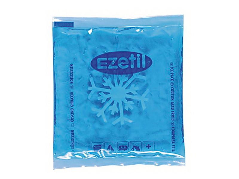 Аккумулятор холода Ezetil Soft Ice, 100 г890339Аккумулятор холода Ezetil Soft Ice выполнен в виде герметично запаянного полиэтиленового пакета с гелевым прозрачным наполнителем. Свойства геля позволяют в режиме заморозки сохранять мягкость пакета и использовать его в нужной форме. Аккумулятор холода предназначен для поддержания температуры охлажденных продуктов или подогрева продуктов при транспортировке и хранении в сумке-холодильнике или в контейнере. Аккумулятор охлаждается до -18°С и нагревается до + 60°С. Содержимое аккумулятора не токсично. Аккумулятор изготовлен из экологически чистого материала, допускается к контакту с пищевыми продуктами и соответствует экологическим стандартам и нормативам EC. Размер аккумулятора: 9,5 см х 10,5 см х 1 см. Вес: 100 г.