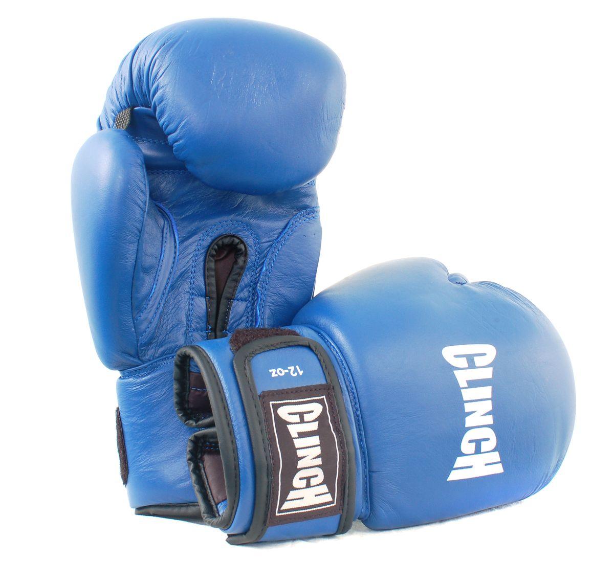 Перчатки боксерские Clinch, цвет: синий, 10 унций. C228ASS-02 S/MБоксерские перчатки Clinch идеально подойдут для соревнований, боев и спаррингов. Перчатки выполнены из высококачественной натуральной кожи с инжекционным литым вкладышем, смягчающим силу удара и дополнительно защищающим руку. На тыльной стороне перчаток предусмотрены отверстия для вентиляции. Большой палец соединен с перчаткой небольшой плотной перемычкой. Перчатки прочно фиксируются на запястье широкой манжетой на липучке, что гарантирует быстроту и удобство одевания.