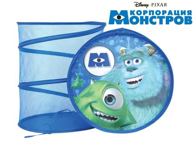 Disney Корзина для игрушек Корпорация МонстровGT6617Функциональная корзина для хранения Disney Корпорация Монстров очень удобна ивместительна.Корзина изготовлена из ткани и оформлена изображением персонажей знаменитого диснеевского мультфильма. Если разложить корзину, то получится вместительная тканевая бочка для игрушек, которые можно хранить в одном месте. Корзина компактна в сложенном виде.Каркас изделия представляет собой металлическую пружину. Для удобства хранения игрушек предусмотрена крышка.Ваш малыш с удовольствием будет собирать разбросанные игрушки в корзину, приучаясь к порядку и аккуратности.