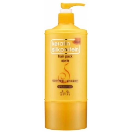 Somang Keratin Маска для волос, 500 млKap330Превосходное средство для ухода за окрашенными волосами. Делает волосы сверкающими и здоровыми. Предаёт живость цветам. Снабжает волосы натуральным белком и разглаживает кутикулу.Содержит масло и экстракты, полученные из цветков и листьев 8 видов растений. Для всех типов волос.