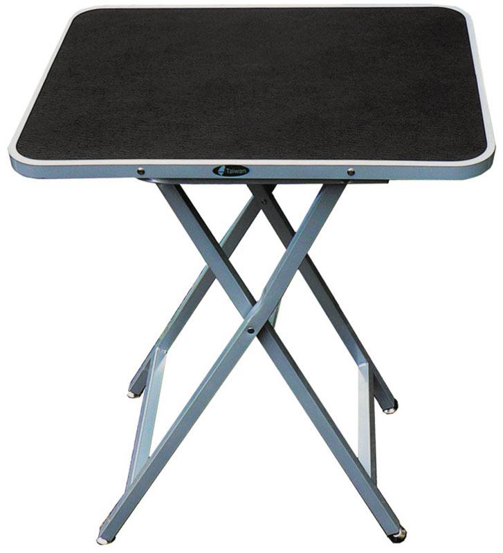 Стол для груминга V.I.Pet Профи, складной, с ручкой, 60 см х 46 см х 76 смTP14630Удобный складной переносной стол V.I.Pet Профи предназначен для стрижки собак и других животных. Изделие имеет поверхность из перфорированной резины, которая обеспечивает противоскользящие свойства стола. Для удобства транспортировки стол оснащен специальной ручкой, которая крепится к нижней поверхности столешницы. При работе за этим столом мастер может производить манипуляции как стоя, так и сидя. Размер в сложенном состоянии: 100 см х 46 см х 7 см. Вес: 11,6 кг.Товар сертифицирован.
