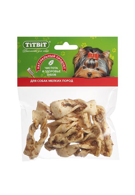 Лакомство для собак Titbit, плетенки из говяжьей кожи0120710Высушенные кусочки говяжьей кожи неправильной формы в обсыпке из молотых говяжьих кишок. Благодаря большому содержанию аминокислот и коллагена положительно воздействует на хрящевую ткань, состояние кожи и шерсти собаки. Благодаря волокнистой структуре являются своеобразной зубной щёткой, способствующей укреплению дёсен, удалениюзубного налёта и профилактике образования зубного камня.Состав: Высушенная говяжья кожа.