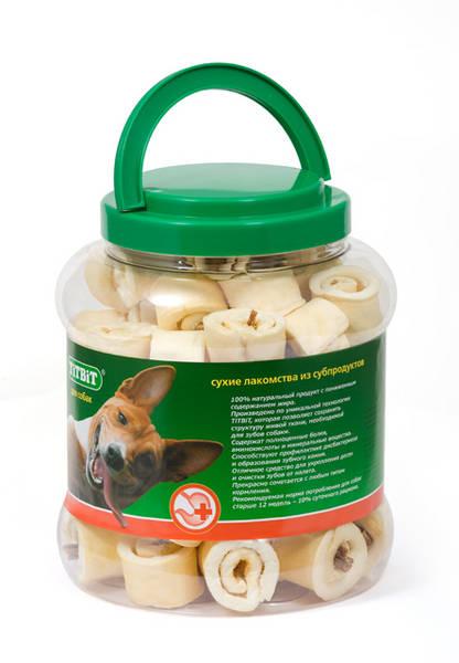 Лакомство для собак Titbit, роллы из кожи с начинкой, 4,3 л8574Высушенная говяжья кожа с начинкой из кишок говяжьих. Благодаря большому содержанию аминокислот и коллагена положительно воздействует на хрящевую ткань, состояние кожи и шерсти собаки. Кишки возбуждают аппетит и придают лакомству особый вкус, который так нравится собаке. Благодаря волокнистой структуре являются своеобразной зубной щёткой, способствующей укреплению дёсен, удалениюзубного налёта и профилактике образования зубного камня.Состав: Высушенные говяжья кожа, кишки говяжьи.