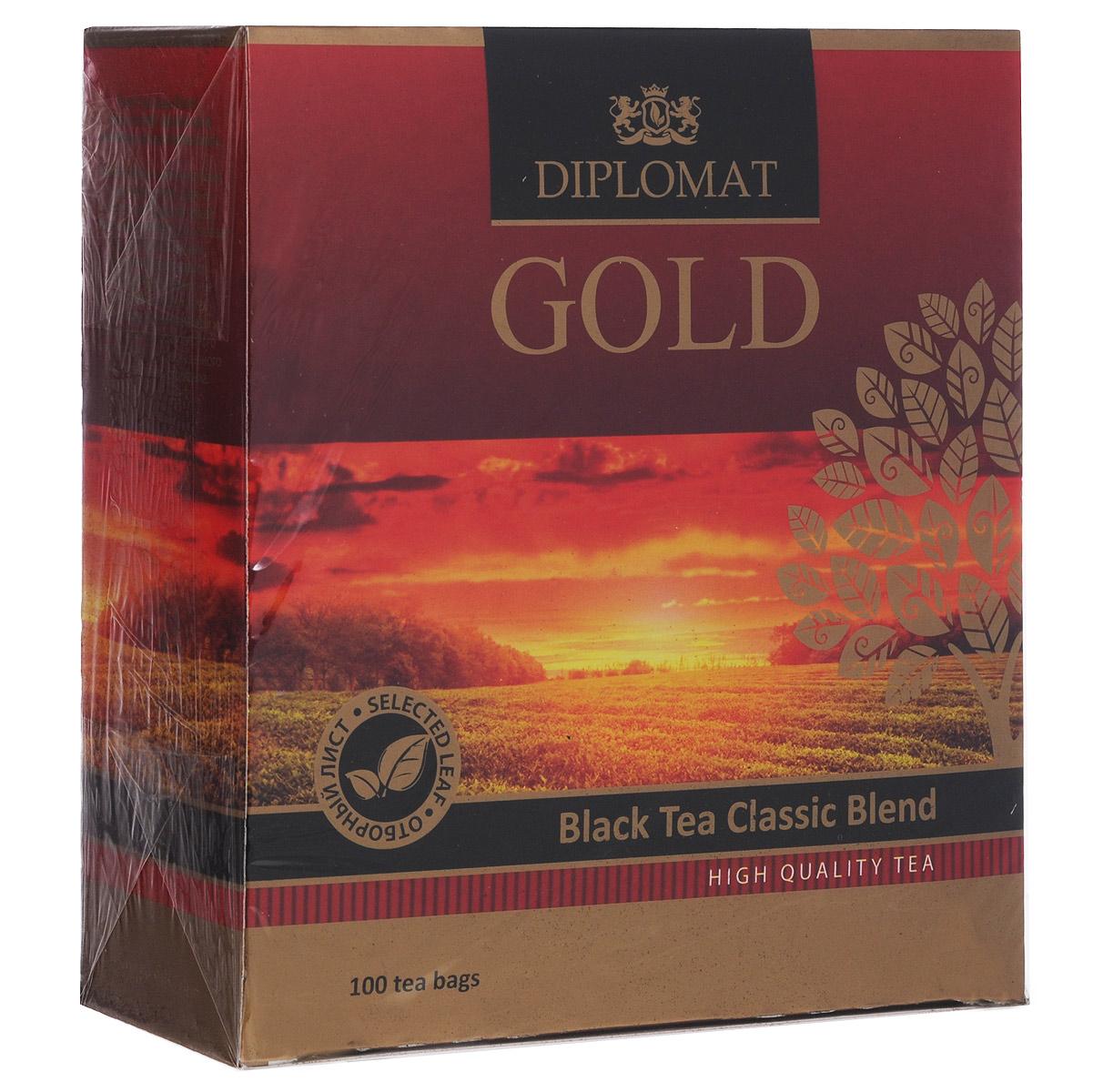 Diplomat Black Tea Classic Blend черный чай в пакетиках, 100 шт.4623721273827Черный байховый чай Diplomat Black Tea Classic Blend с волшебным ароматом и настоем средней крепости цвета красного дерева, созданным теплым солнцем острова Цейлон. Чай с насыщенным бархатным вкусом, преобладают легкие древесные нотки, довольно сильное послевкусие с небольшим цветочным оттенком. Аромат классического черного чая.
