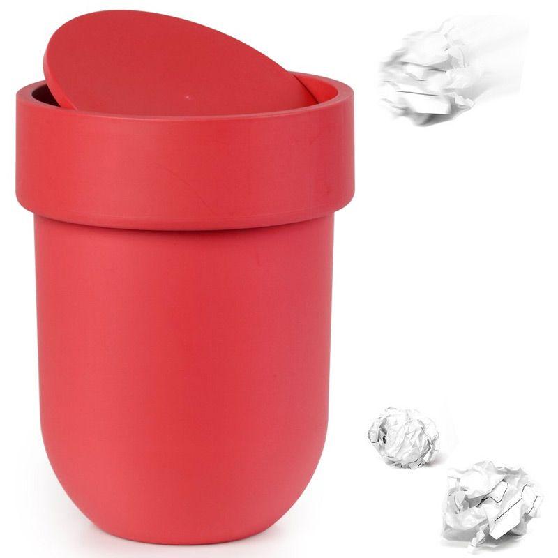Контейнер мусорный Touch с крышкой красный68/5/1Как много всего ненужного можно обнаружить на столе: скомканные бумаги для заметок, упаковки от шоколадок, старые скрепки и скобы для степлера. Отправьте весь этот хлам в мусорное ведро, чтобы сделать жизнь чище и упорядоченнее. Лаконичный и простой контейнер Touch не займет много места и будет прилежно исполнять свои обязанности по накоплению мусора.Материал: полипропилен; цвет: красный