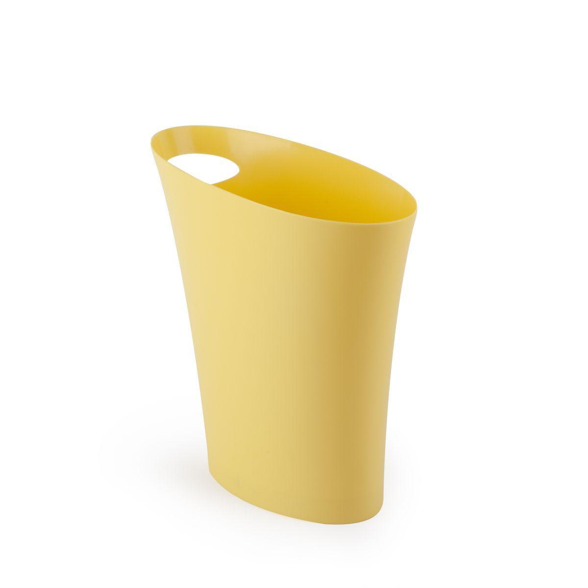 Контейнер для мусора Umbra Skinny, цвет: желтый, 7,5 л531-105Очередное изобретение Карима Рашида, одного из самых известных промышленных дизайнеров. Оригинальный замысел и функциональный подход обеспечены! Привычные мусорные корзины в виде старых ведер из под краски или ненужных коробок давно в прошлом. Каждый элемент в современном доме должен иметь определенный смысл, быть креативным и удобным. Вплоть до мусорного ведра. Несмотря на кажущийся миниатюрный размер, ведро вмещает до 7,5 литров, а ручка в виде отверстия на верхней части ведра удобна при переноске.