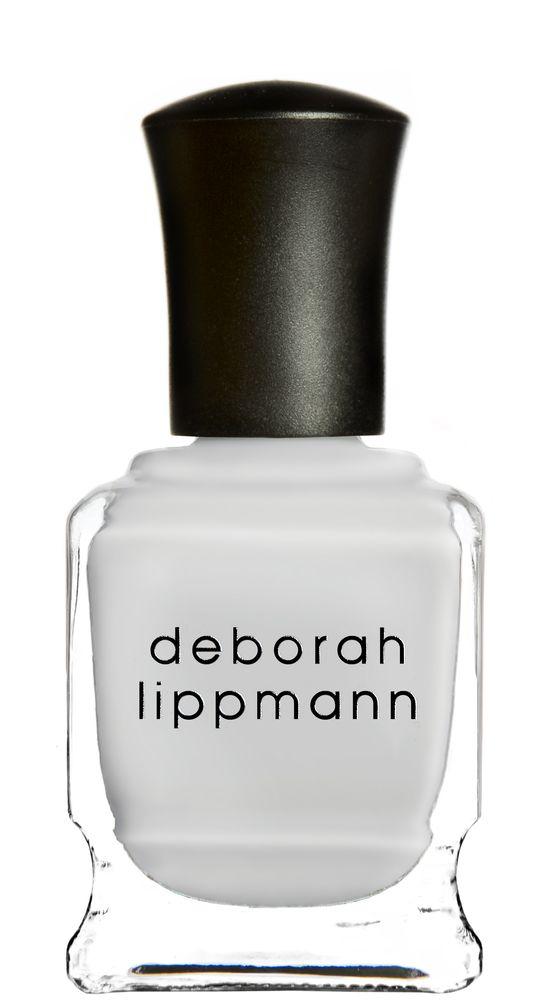 Deborah Lippmann лак для ногтей Misty Morning, 15 мл28032022Стойкий лак, не содержит формальдегидов, толуола, дибутила. Увлажняет и ухаживает за ногтями. Форма флакона, колпачка и кисти специально разработаны для удобного использования. Применение: наносить 1-2 слоя на ногти, после нанесения базового покрытия. Для придания прочности и создания блеска рекомендуем использовать верхнее покрытие. Хранить в сухом, прохладном месте вдали от солнечных лучей.