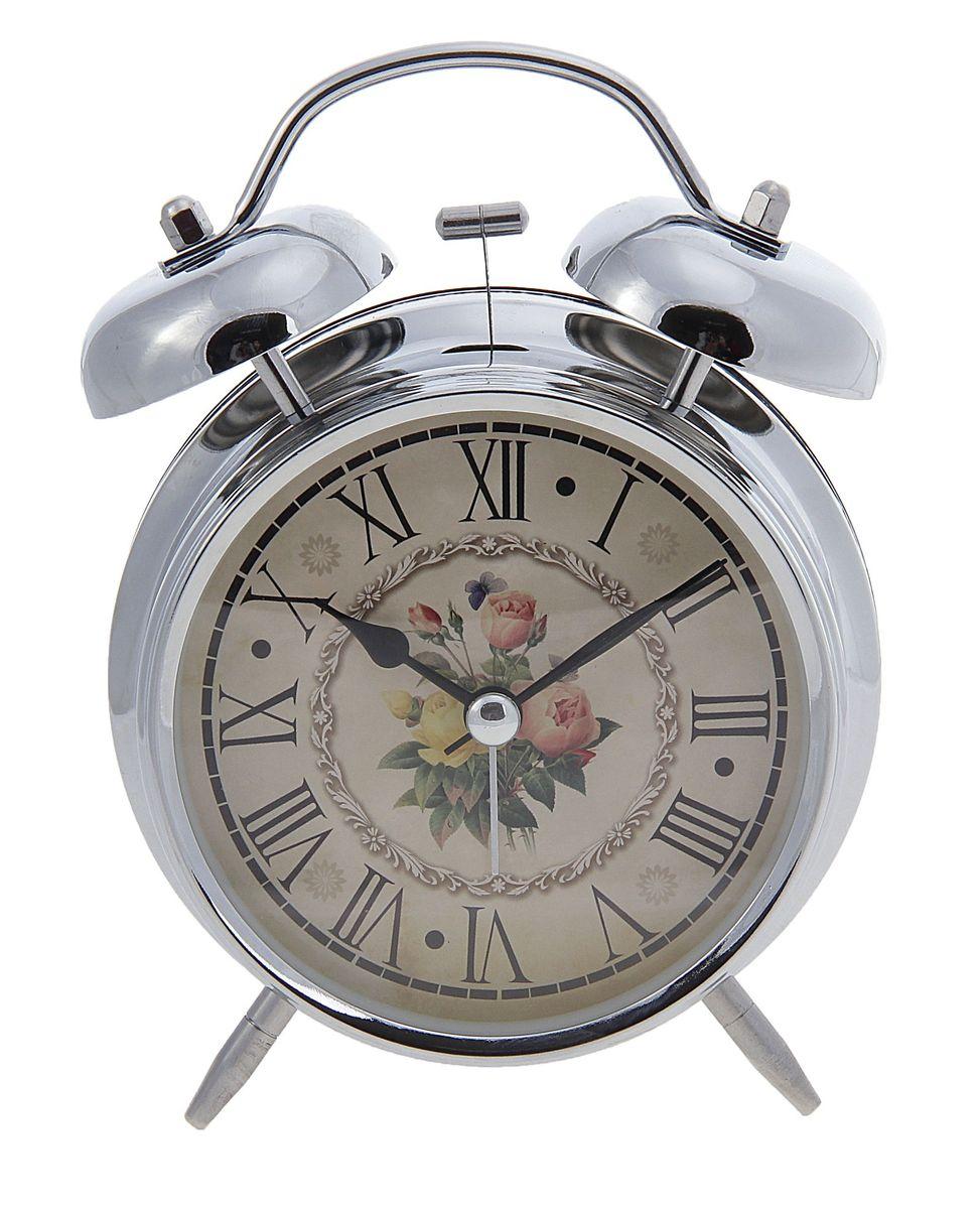 Часы-будильник Sima-land. 556722MRC 4119 P schwarzКак же сложно иногда вставать вовремя! Всегда так хочется поспать еще хотя бы 5 минут и бывает, что мы просыпаем. Теперь этого не случится! Яркий, оригинальный будильник Sima-land поможет вам всегда вставать в нужное время и успевать везде и всюду. Время показывает точно и будит в установленный час. Будильник украсит вашу комнату и приведет в восхищение друзей. На задней панели будильника расположены переключатель включения/выключения механизма и два колесика для настройки текущего времени и времени звонка будильника. Также будильник оснащен кнопкой, при нажатии и удержании которой, подсвечивается циферблат.Будильник работает от 2 батареек типа AA напряжением 1,5V (не входят в комплект).