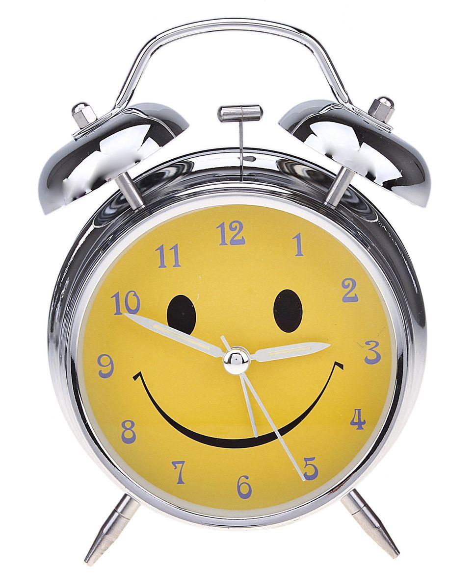 Часы-будильник Sima-land. 556723165167Как же сложно иногда вставать вовремя! Всегда так хочется поспать еще хотя бы 5 минут и бывает, что мы просыпаем. Теперь этого не случится! Яркий, оригинальный будильник Sima-land поможет вам всегда вставать в нужное время и успевать везде и всюду. Время показывает точно и будит в установленный час. Будильник украсит вашу комнату и приведет в восхищение друзей. На задней панели будильника расположены переключатель включения/выключения механизма и два колесика для настройки текущего времени и времени звонка будильника. Также будильник оснащен кнопкой, при нажатии и удержании которой, подсвечивается циферблат.Будильник работает от 1 батарейки типа AA напряжением 1,5V (не входит в комплект).