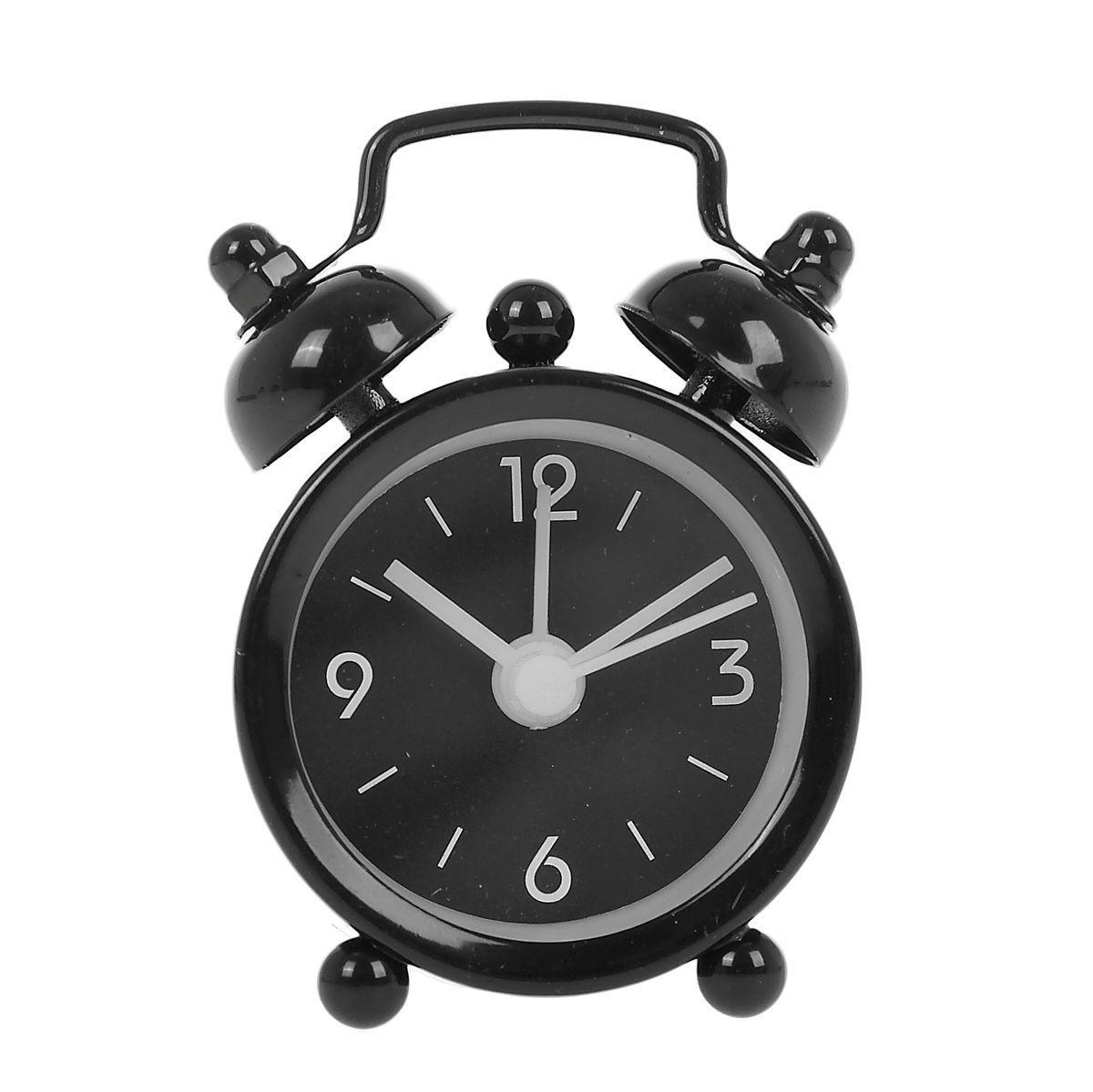 Часы-будильник Sima-land Супермини, цвет: черный669612Как же сложно иногда вставать вовремя! Всегда так хочется поспать еще хотя бы 5 минут и бывает, что мы просыпаем. Теперь этого не случится! Яркий, оригинальный мини-будильник Sima-land поможет вам всегда вставать в нужное время и успевать везде и всюду.Корпус будильника выполнен из металла. Часы снабжены 4 стрелками (секундная, минутная, часовая и для будильника). На задней панели будильника расположен переключатель включения/выключения механизма, а также два колесика для настройки текущего времени и времени звонка будильника. Пользоваться будильником очень легко: нужно всего лишь поставить батарейку, настроить точное время и установить время звонка. Часы работают от 1 батарейки типа LR44 (входит в комплект).
