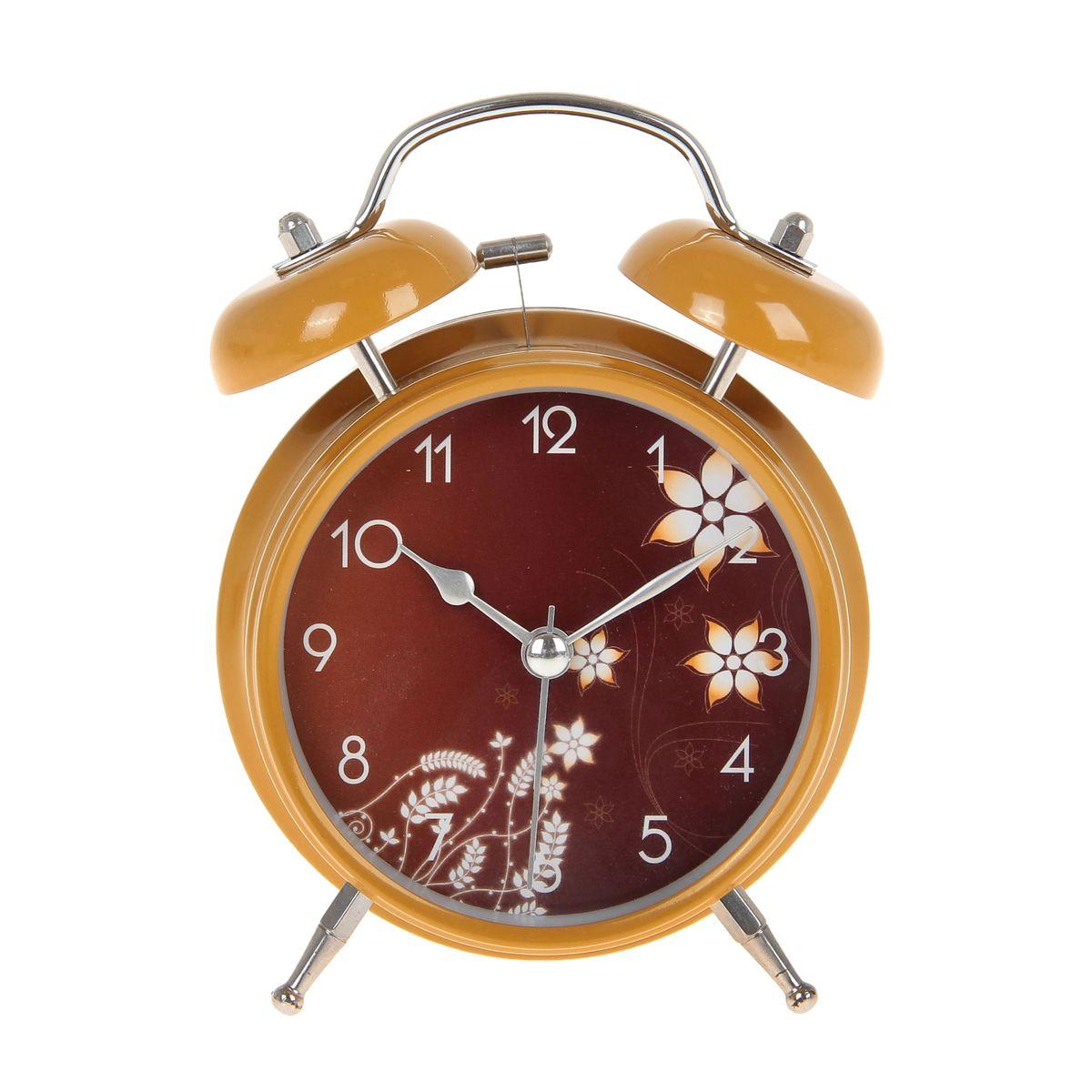Часы-будильник Sima-land. 720834MRC 4119 P schwarzКак же сложно иногда вставать вовремя! Всегда так хочется поспать еще хотя бы 5 минут и бывает, что мы просыпаем. Теперь этого не случится! Яркий, оригинальный будильник Sima-land поможет вам всегда вставать в нужное время и успевать везде и всюду. Время показывает точно и будит в установленный час. Будильник украсит вашу комнату и приведет в восхищение друзей. На задней панели будильника расположены переключатель включения/выключения механизма и два колесика для настройки текущего времени и времени звонка будильника. Также будильник оснащен кнопкой, при нажатии и удержании которой, подсвечивается циферблат.Будильник работает от 2 батареек типа AA напряжением 1,5V (не входят в комплект).